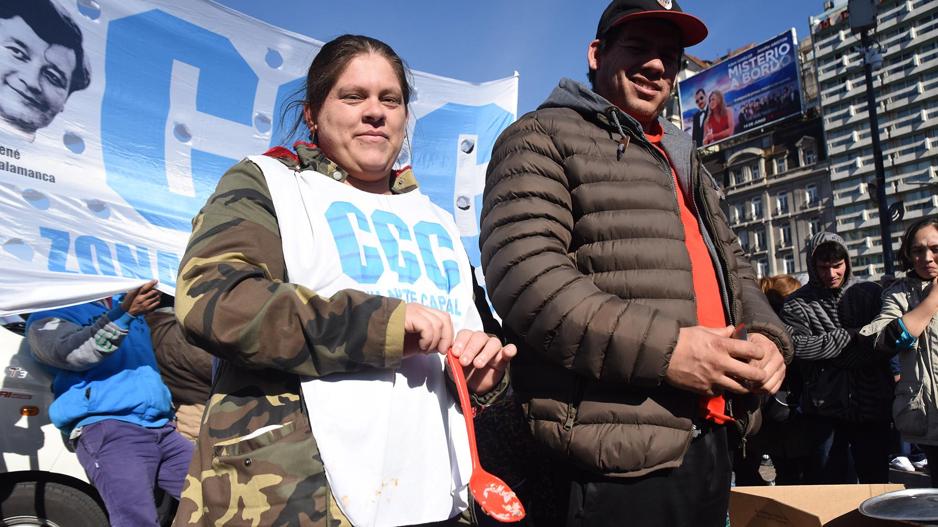 Los movimientos sociales solicitan también la asignación de presupuesto para la ley de Urbanización de Barrios Populares, aprobada por unanimidad en el Congreso Nacional, y la inclusión al Consejo del Salario Mínimo Vital y Móvil