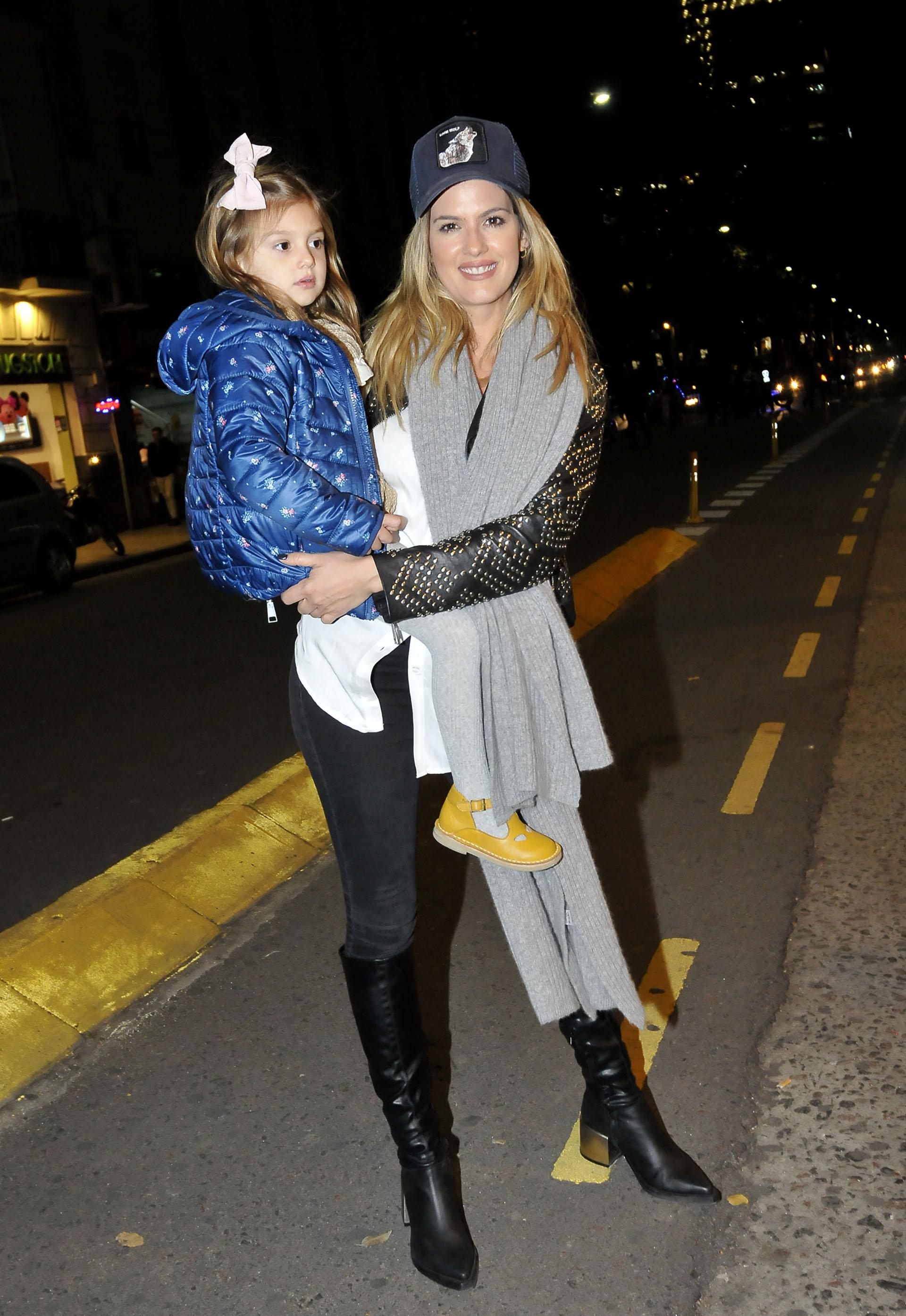 María del Cerro asistió con Mila