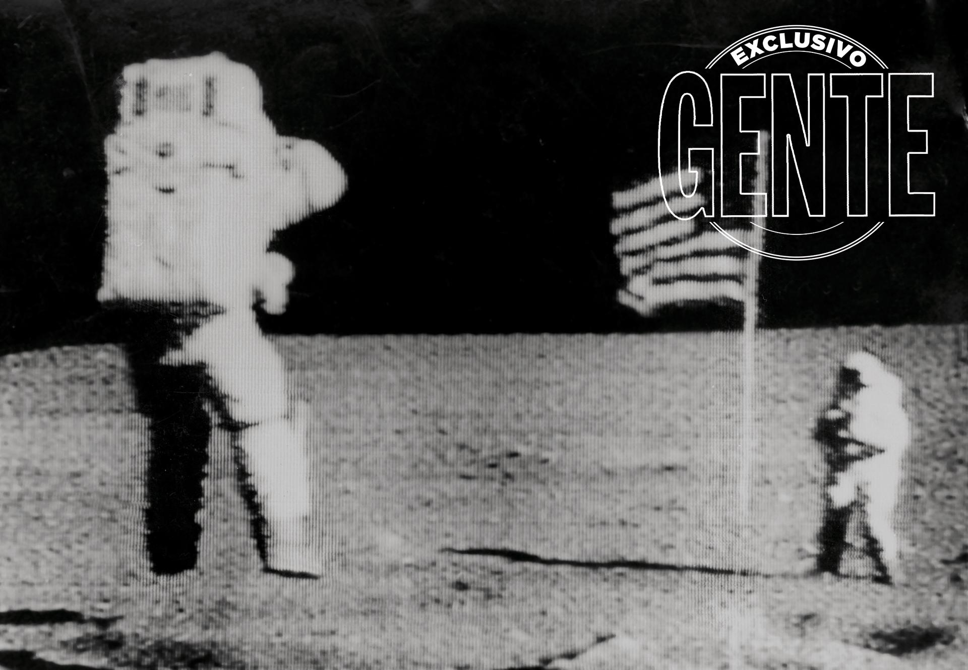 """A continuación desciende Aldrin. Pronto se lo escucha repetir: """"Hermoso… hermoso"""". Por seguridad avanzan unidos a un cordón, que soltarán. Hacen tomas del paisaje."""