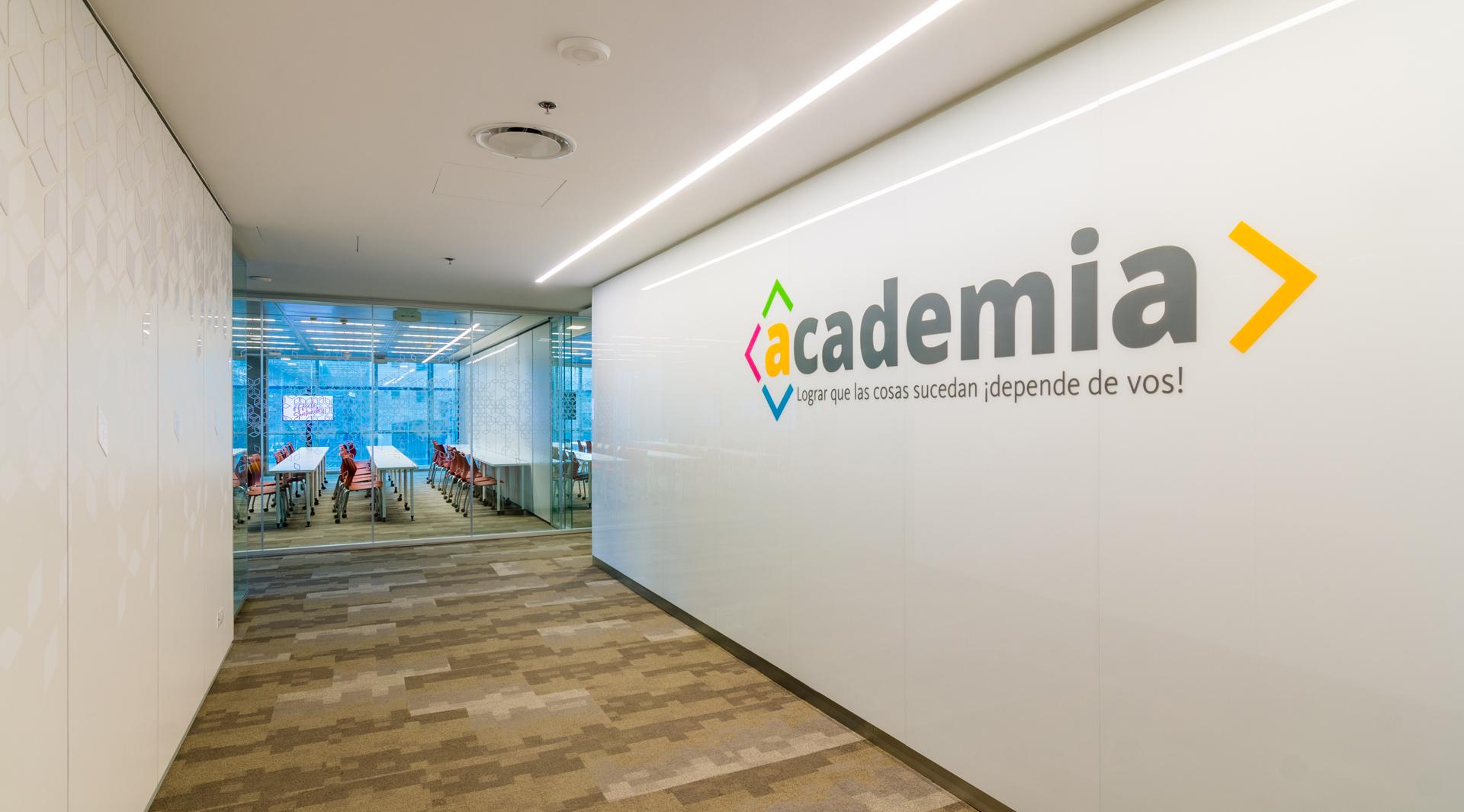 Academia, un espacio de capacitación y formación para los empleados de Santander Argentina.