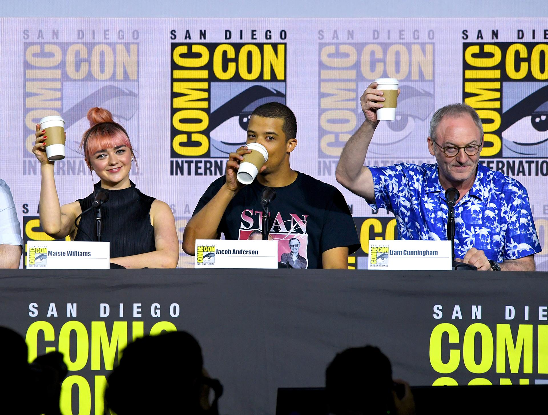 El panel con parte del elenco de 'Game of Thrones' , de izquierda a derecha: Maisie Williams, Jacob Anderson, and Liam Cunningham