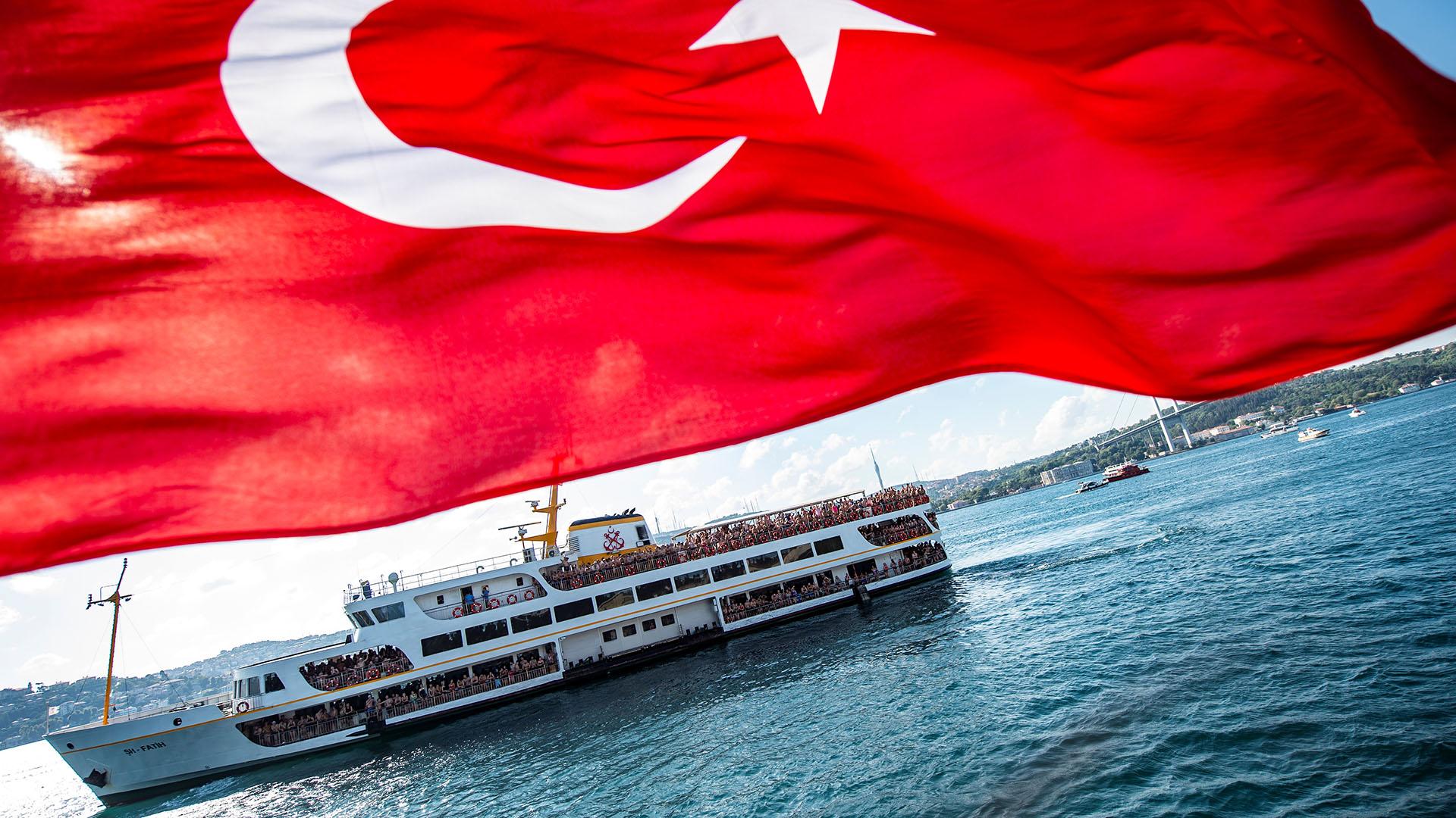 Según informó el Ayuntamiento de Estambul, este año, los participantes llegaron de 59 países; el más joven tenía apenas 14 años y el mayor 89