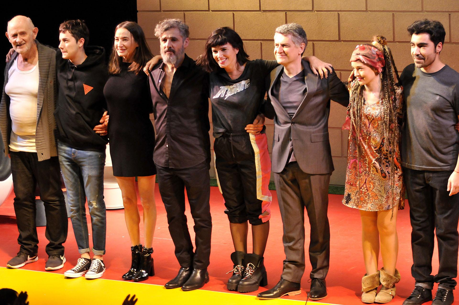 """Todo el elenco de """"La mujer de al lado"""" (Fotos: Darío Batallan / Teleshow)"""