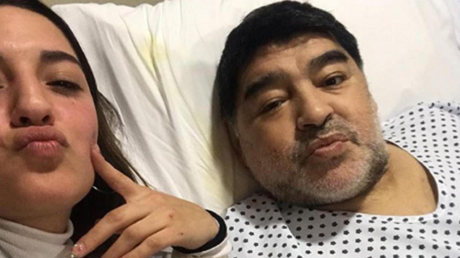 Las imágenes de la increíble recuperación de Diego Maradona tras su operación de rodilla - Infobae