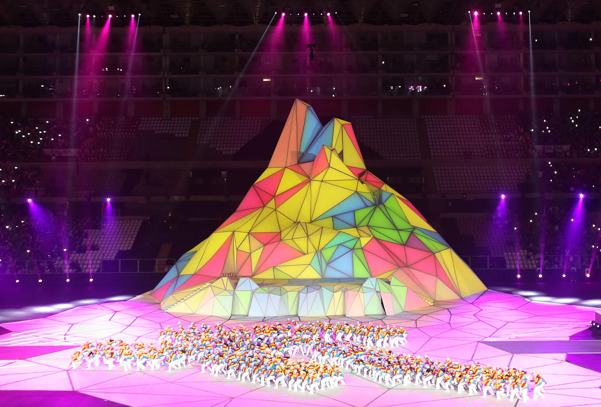 Los bailarines formando parte del logo de los Juegos Panamericanos (REUTERS/Sergio Moraes)