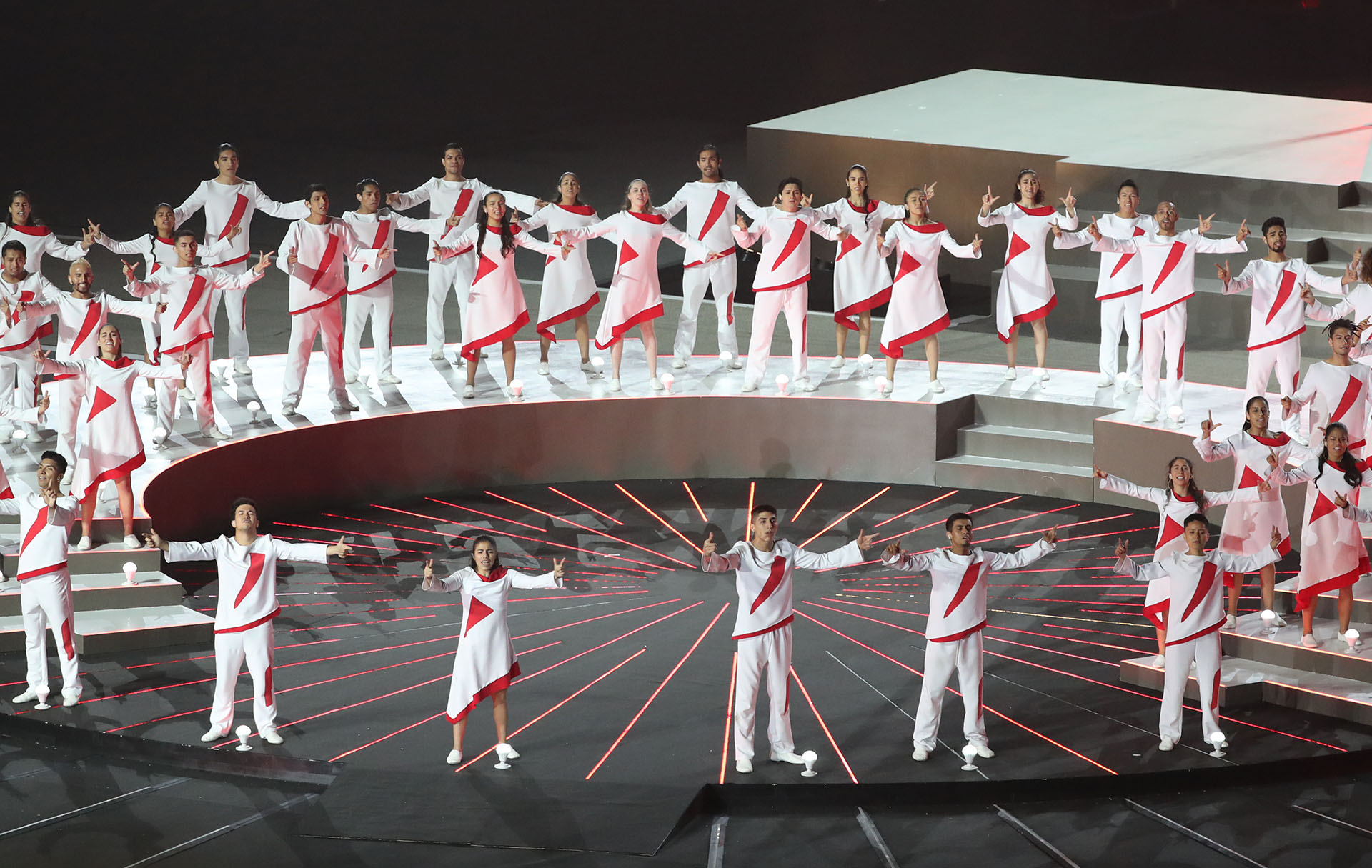 Los colores blanco y rojo se destacaron en la apertura de Lima 2019 (REUTERS/Sergio Moraes)