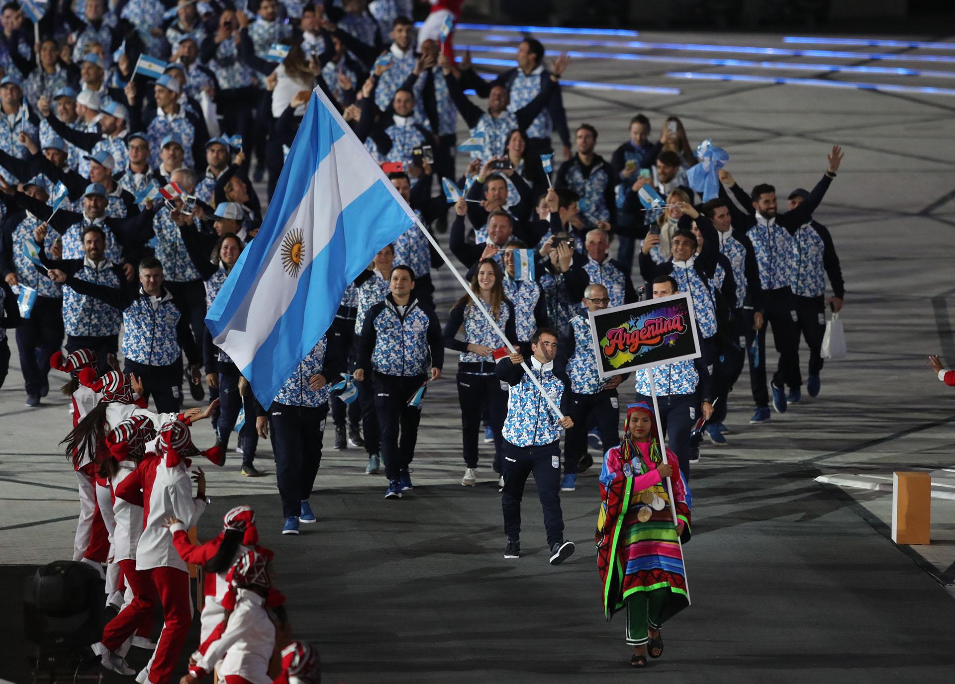 Javier Conte, el abanderado argentino en la ceremonia de apertura de Lima 2019 (REUTERS/Ivan Alvarado)