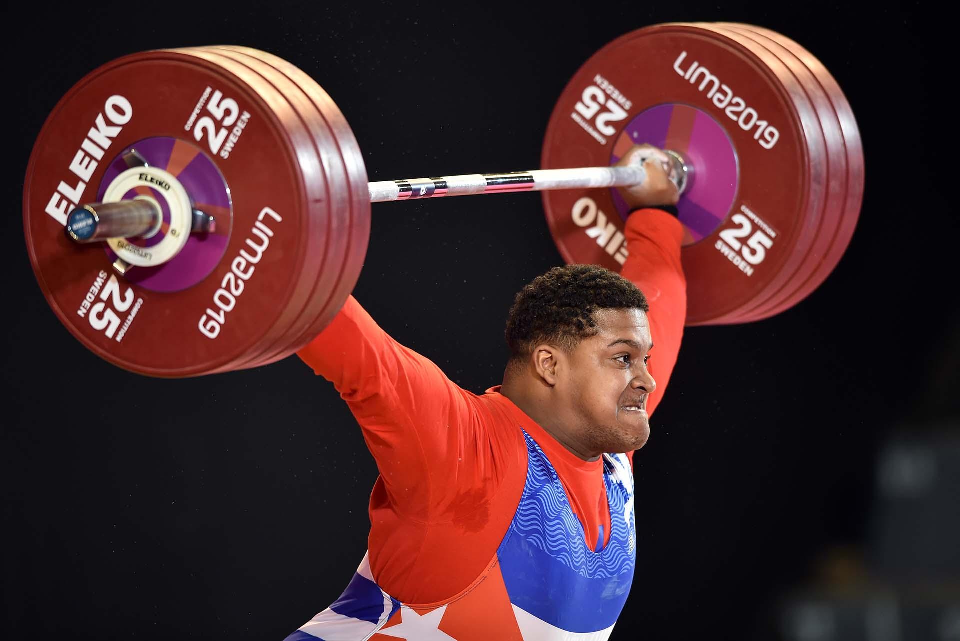 El cubanoLuis Manuel Lauret en la competencia por el oro. (Photo by Cris BOURONCLE / AFP)