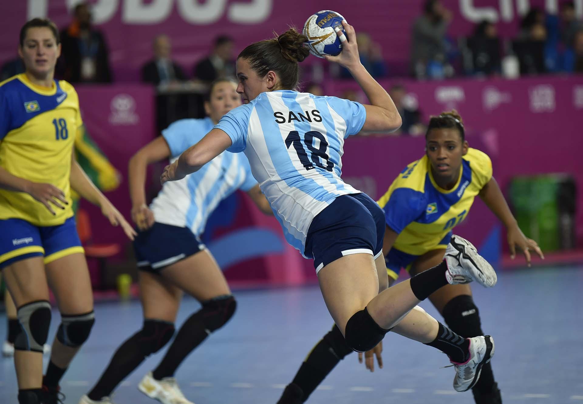 El gol de Macarena Sans no alcanzó para vencer a Brasil (Photo by Pedro PARDO / AFP)