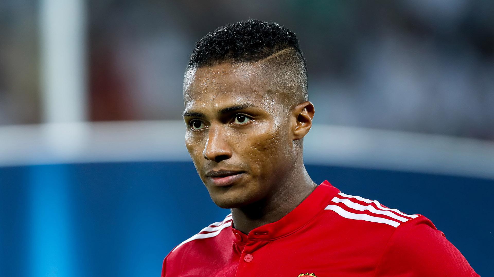 Antonio Valencia (Liga de Quito, Ecuador): el ecuatoriano, quien fuera capitán del Manchester United durante varios años, abandonó el equipo inglés y con 33 años regresóal fútbol de su país, del que se había marchado en 2005. Firmó por dos temporadas