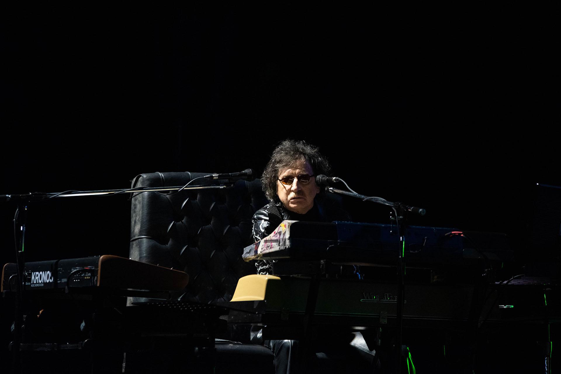 """""""No llores por mí Argemtina"""" marcó el comienzo de los bises, donde lo acompañó otro amigo, Pedro Aznar"""
