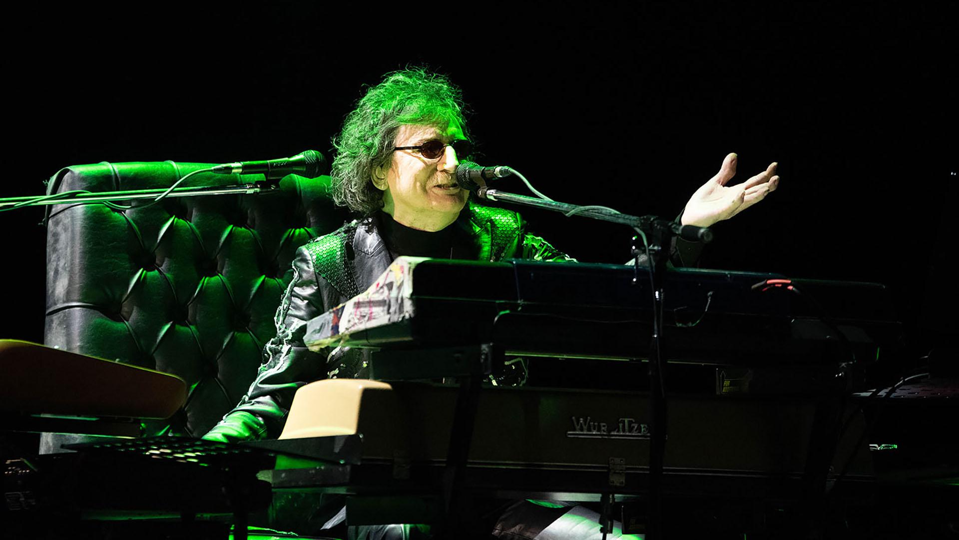 """El músico volvió al escenario donde tuvo lugar el """"Adiós Sui Géneris"""", el primer show masivo del rock nacional"""