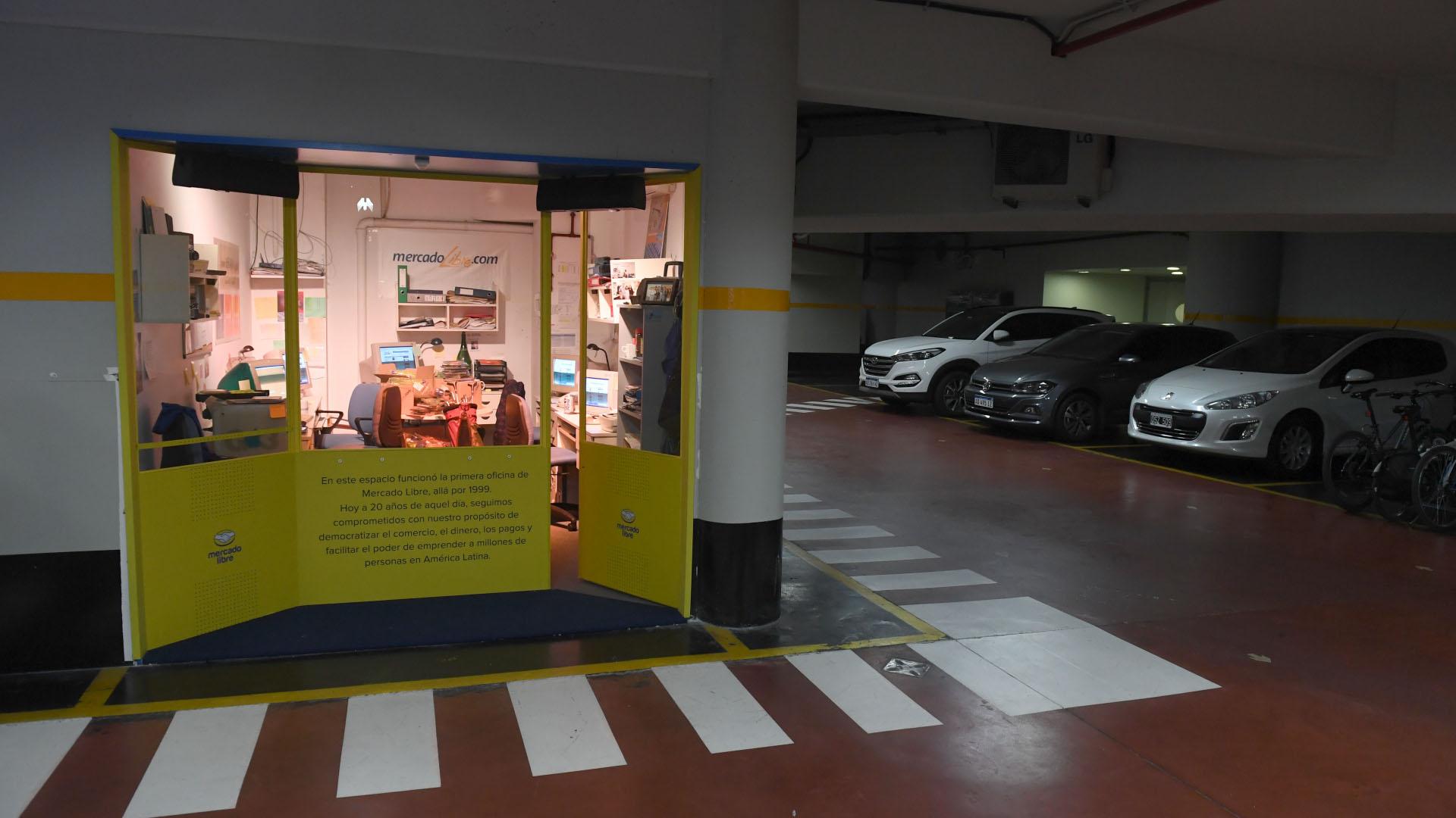 fb760093f Los secretos del oscuro e incómodo garaje en el que nació Mercado ...