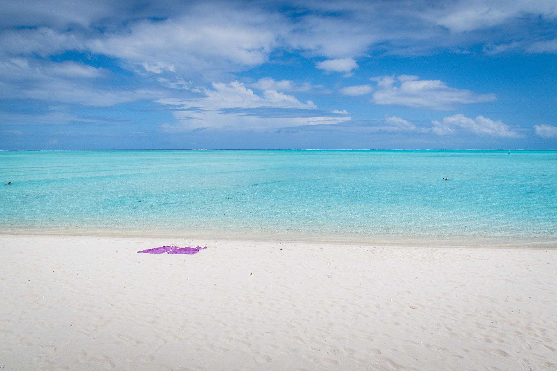 Matira Beach es en realidad la única playa pública en Bora Bora. Con arenas blancas y hermosas aguas, es lo más parecido al paraíso