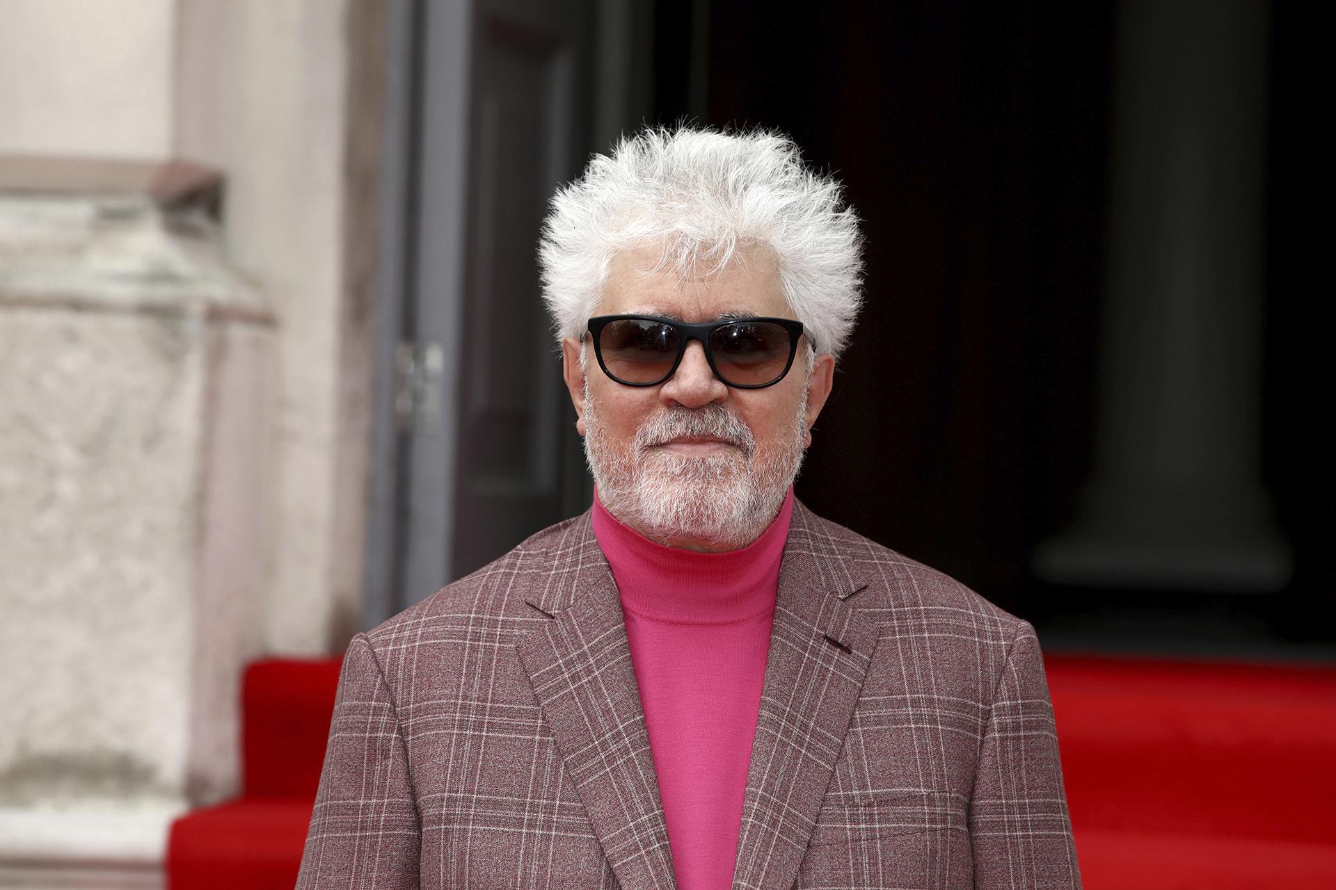 """El prestigioso directorPedro Almodóvar dirige este film :""""Dolor y Gloria """""""