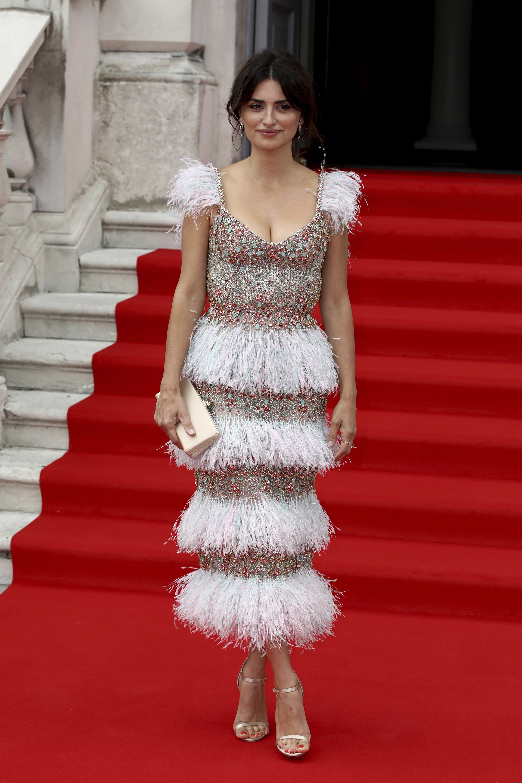 La actriz -Penélope Cruz – en la premiere del film Pain and Glory que tuvo lugar en Londres. Deslumbró para la ocasión con un vestido de la última colección de alta costura Otoño/invierno 2019-2020 de Ralph & Russo.