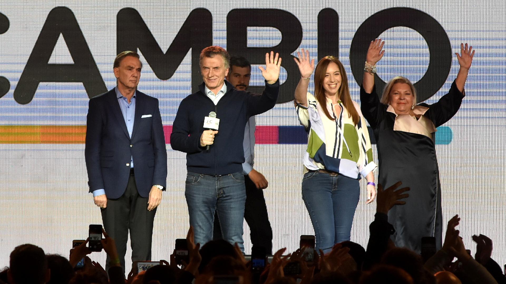 Apenas un saludo de Mauricio Macri y María Eugenia Vidal tras conocerse los resultados (Nicolás Stulberg)