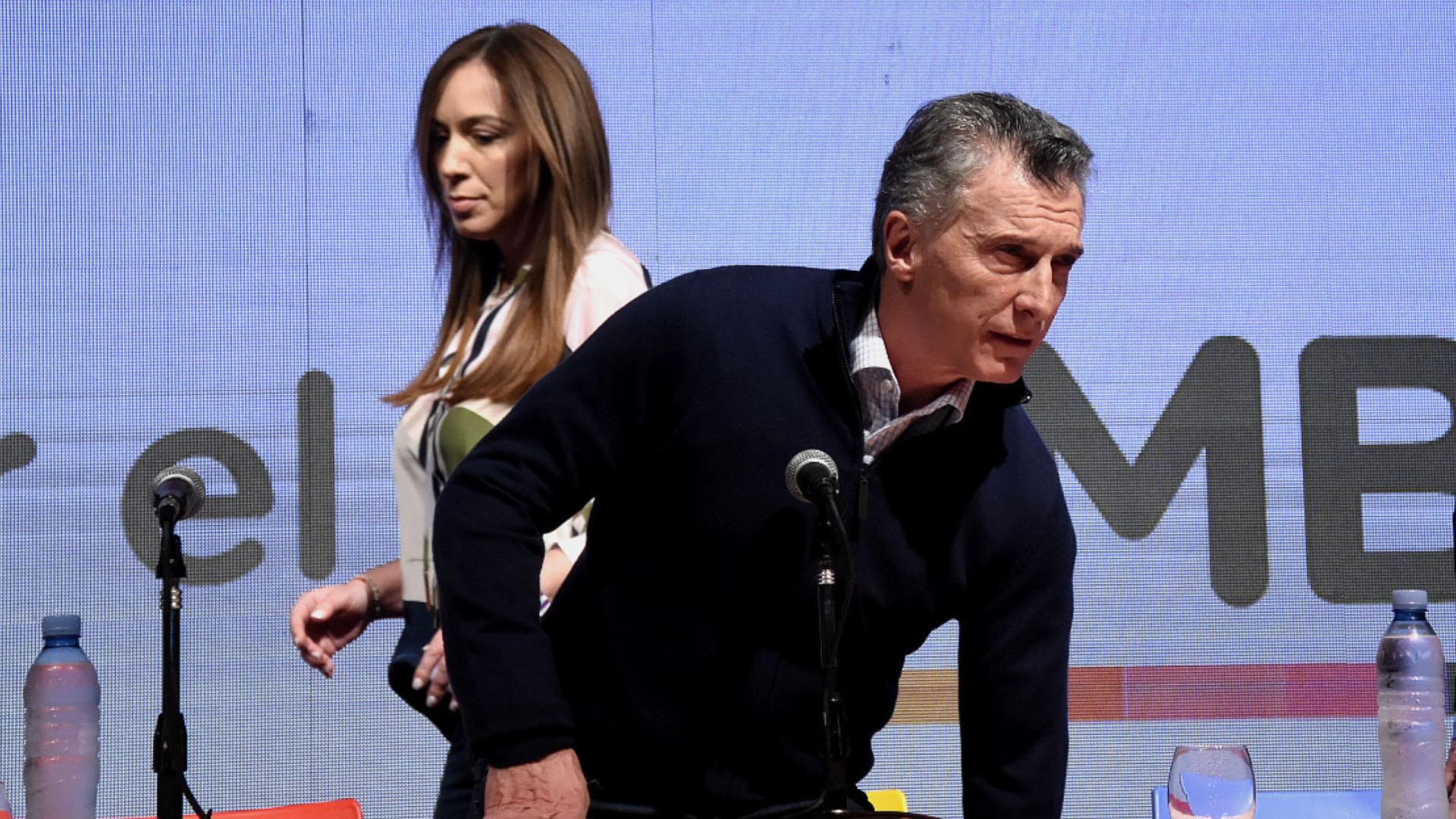 Los rostros de la derrota. María Eugenia Vidal y Mauricio Macri, antes de iniciar la conferencia de prensa (Nicolas Stulberg)