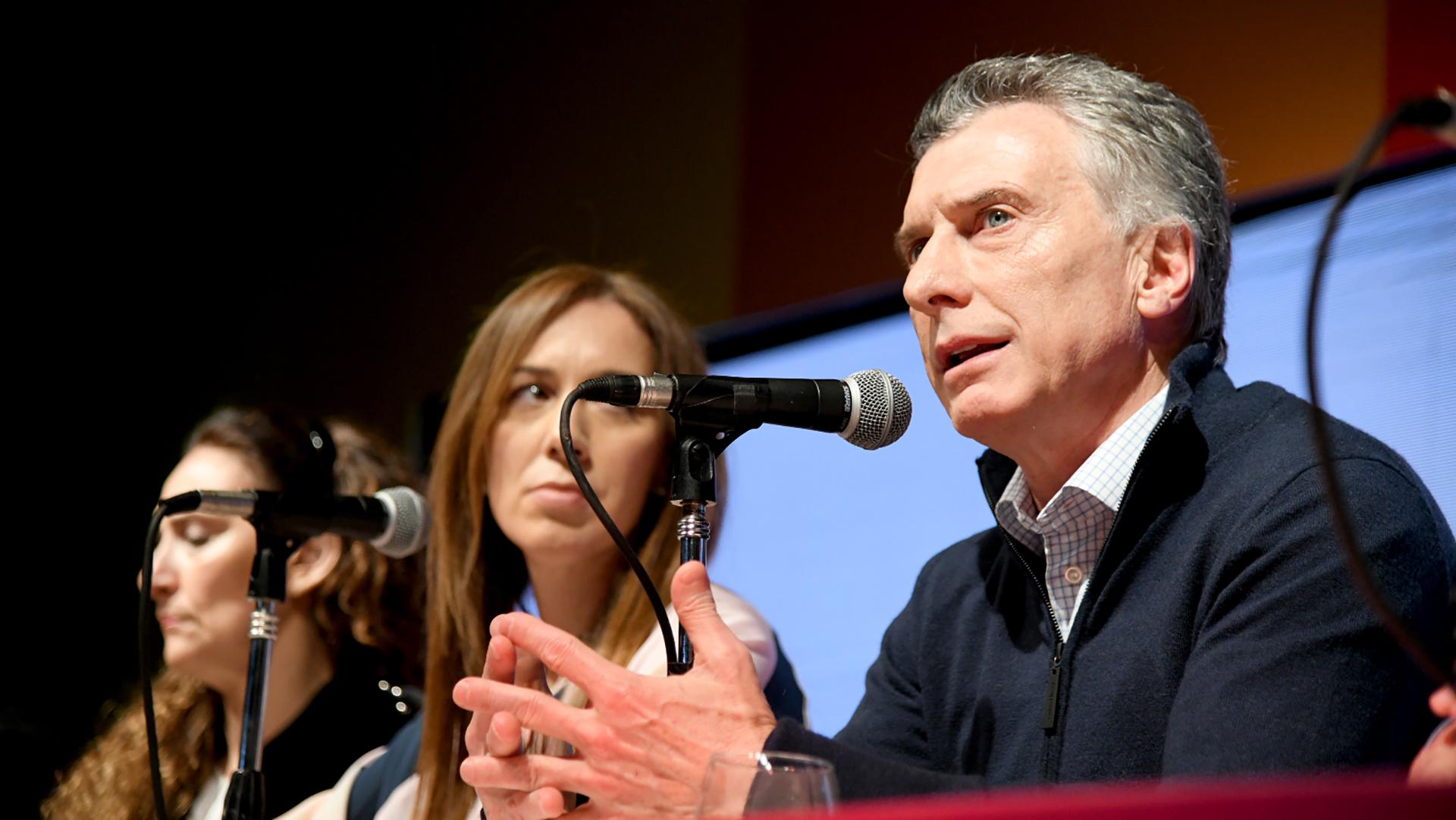 Las dos caras de la derrota: María Eugenia Vidal y Mauricio Macri (Télam)