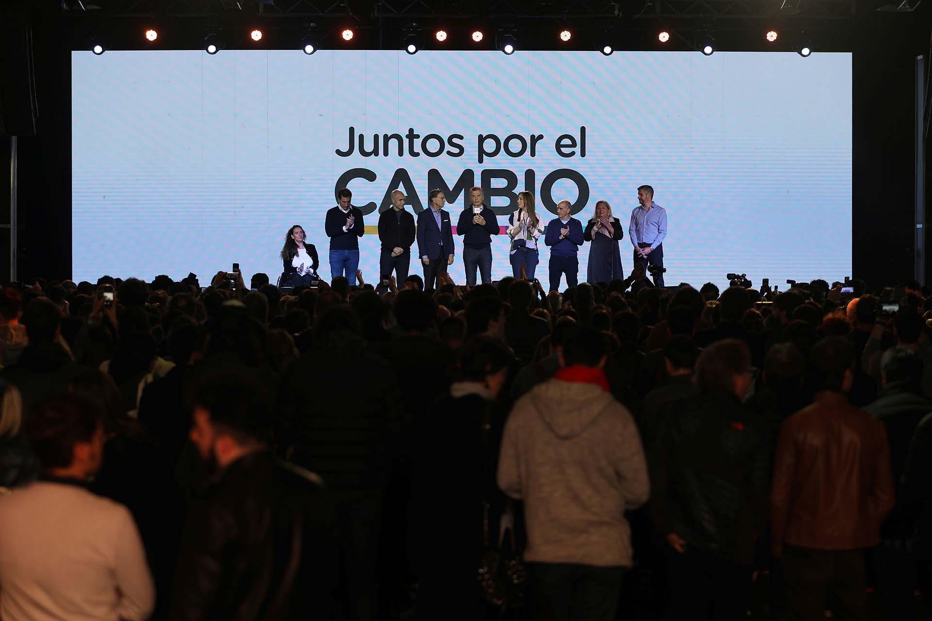 Esta vez, en el búnker de Juntos por el Cambio no hubo globos ni música para bailar (REUTERS/Luisa González)