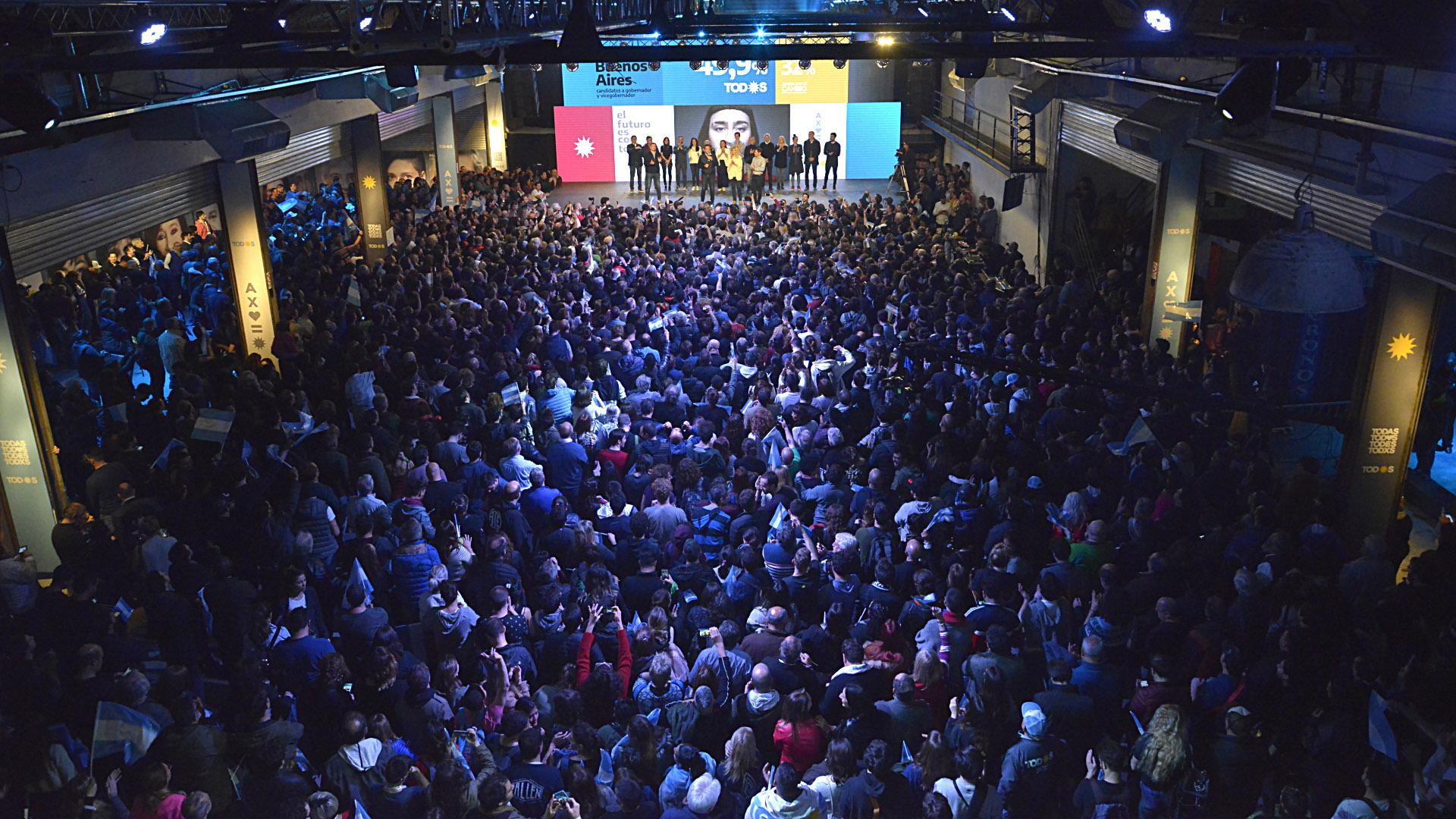 El búnker de Frente de Todos se colmó incluso antes de que se empezaran a conocer los primeros resultados oficiales de las PASO (Gustavo Gavotti)