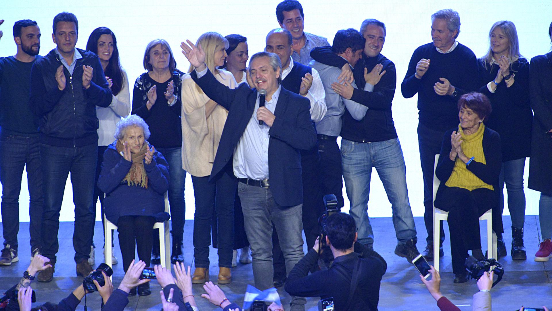 Alberto Fernández y su alegría tras conocerse los resultados de las PASO (Gustavo Gavotti)