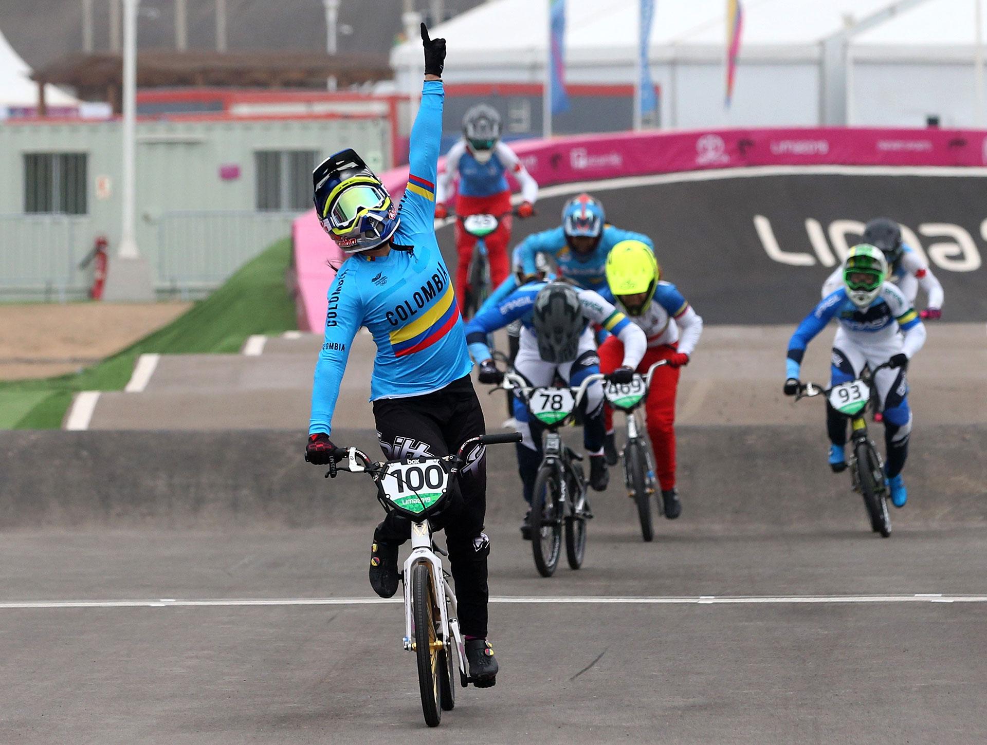 La colombiana Mariana Pajon se impuso en BMX