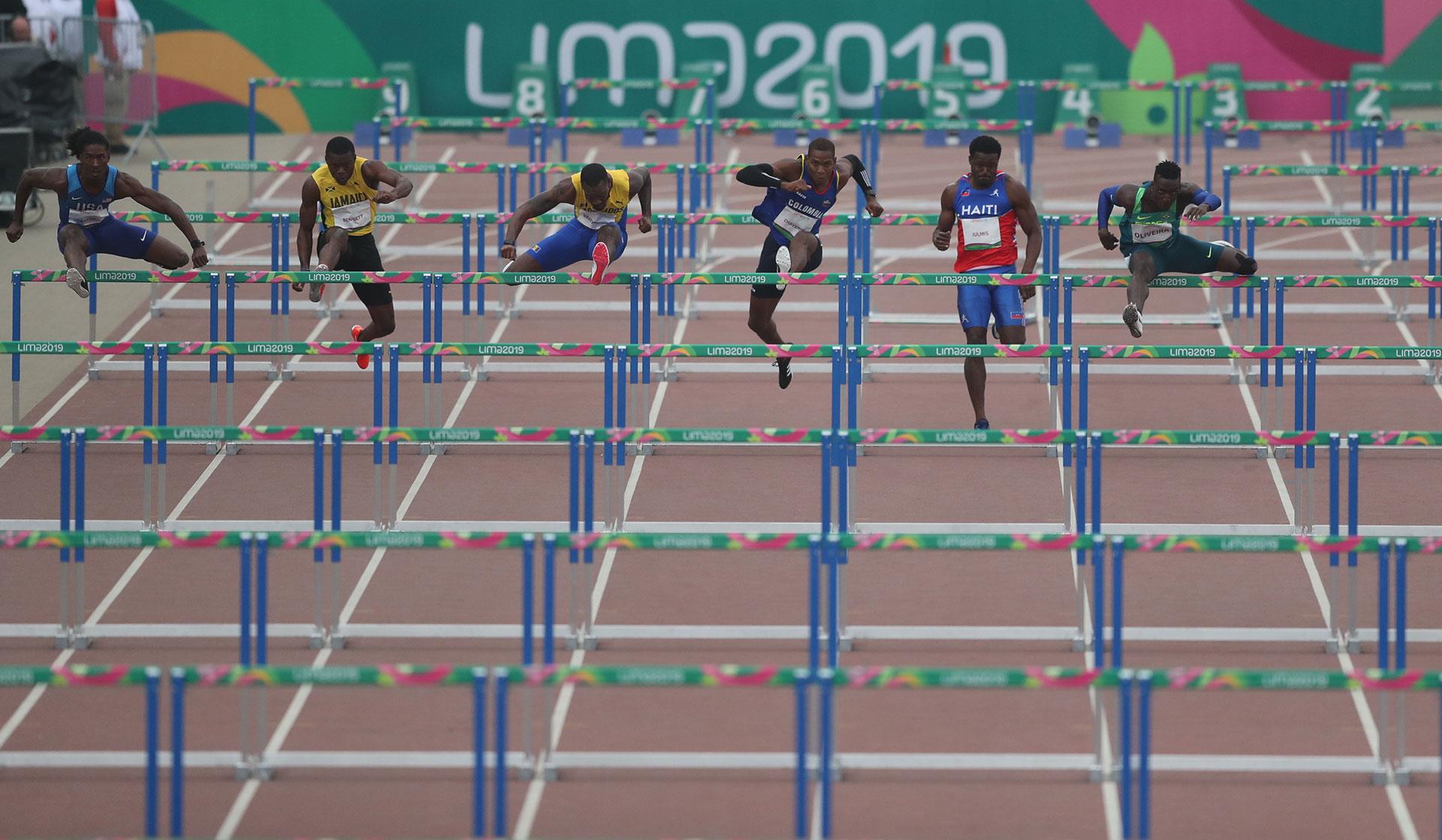 Una postal de las semifinales de los 110 metros con vallas
