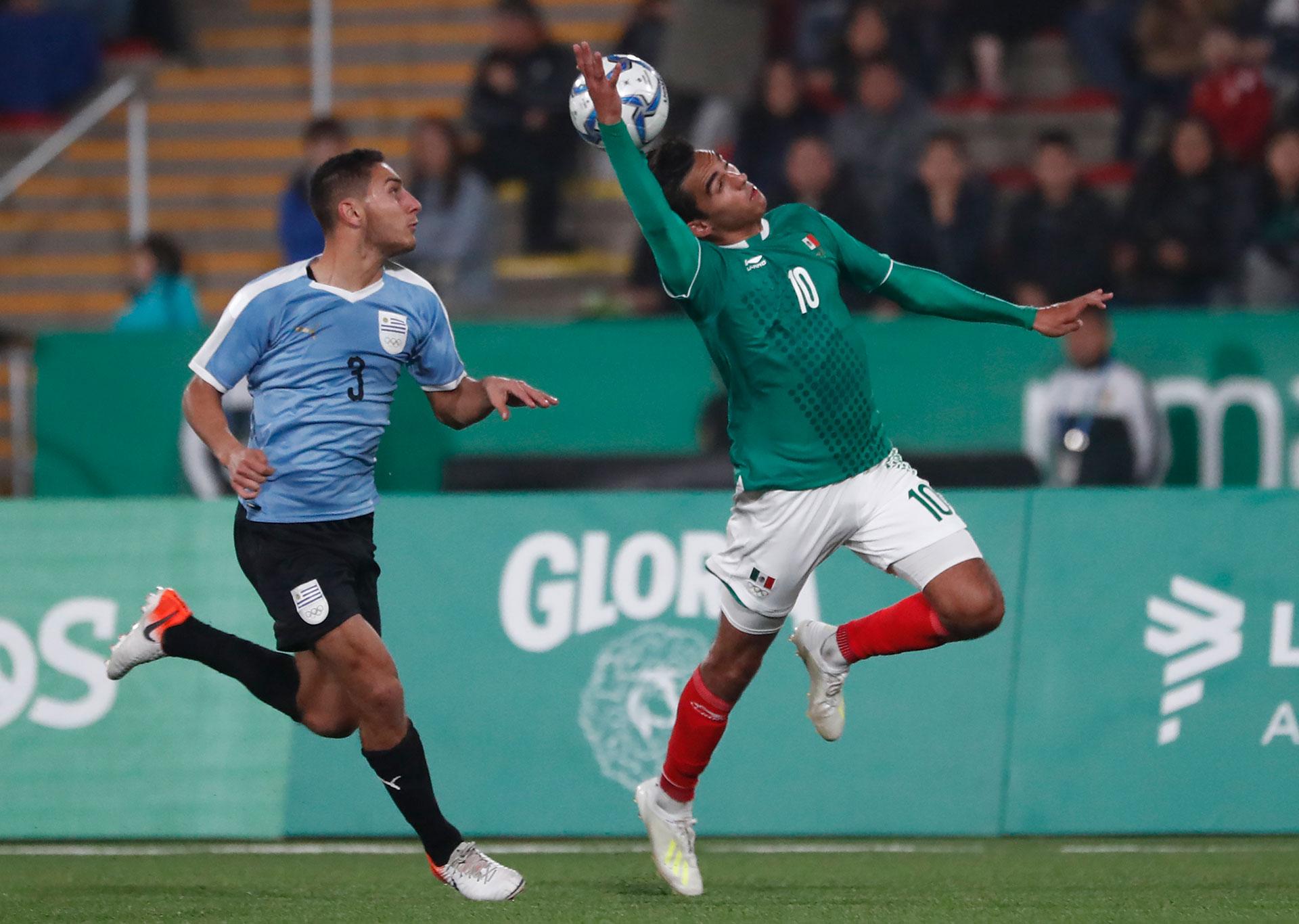 Uruguay y México se cruzaron en el fútbol masculino