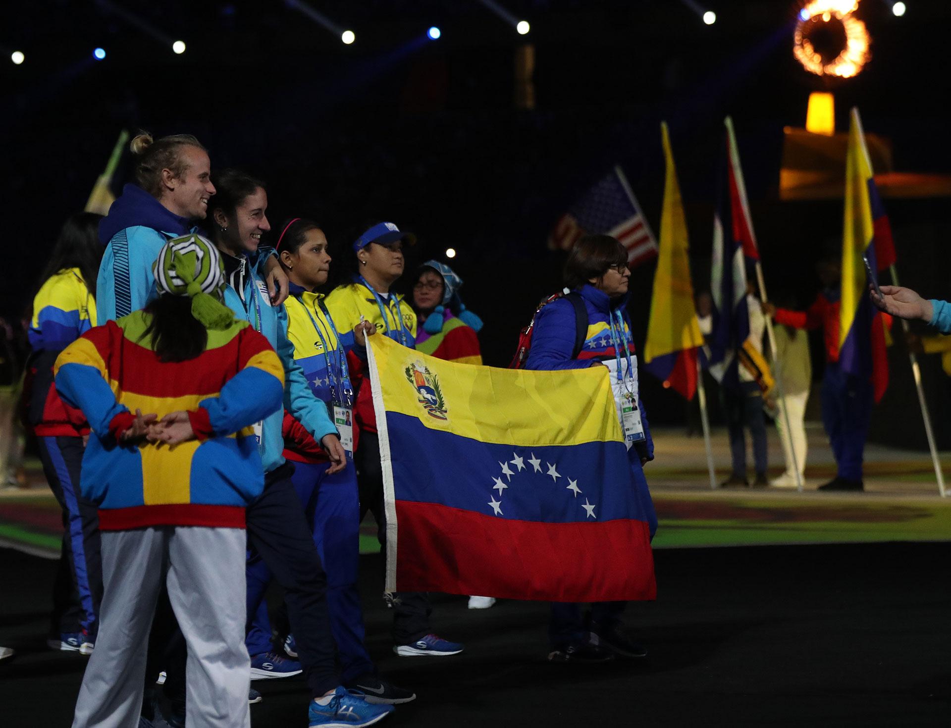 La delegación de Venezuela, en la ceremonia de cierre