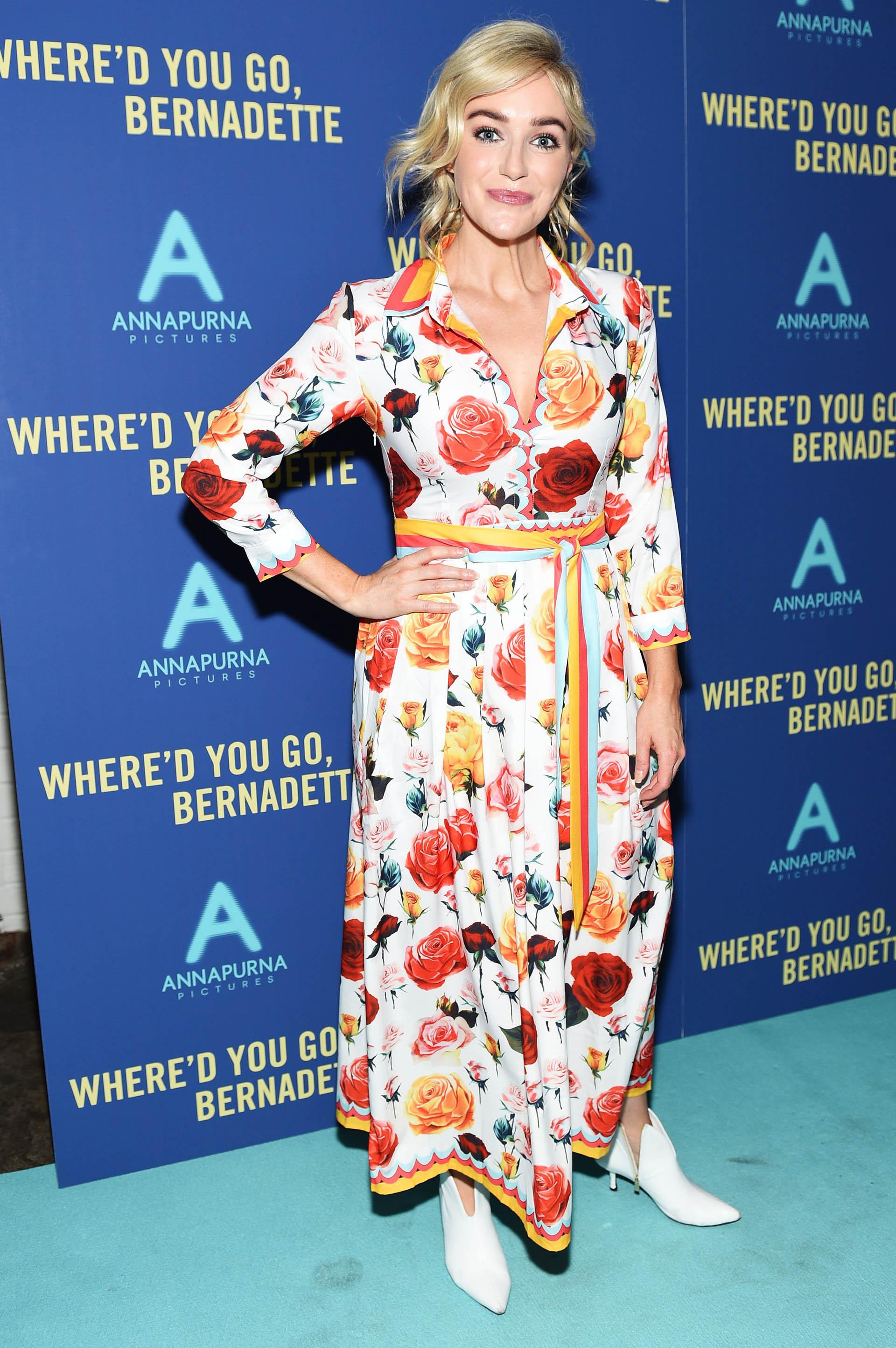 Betsy Wolfe se destacó por el uso del estampado en su vestido camisero