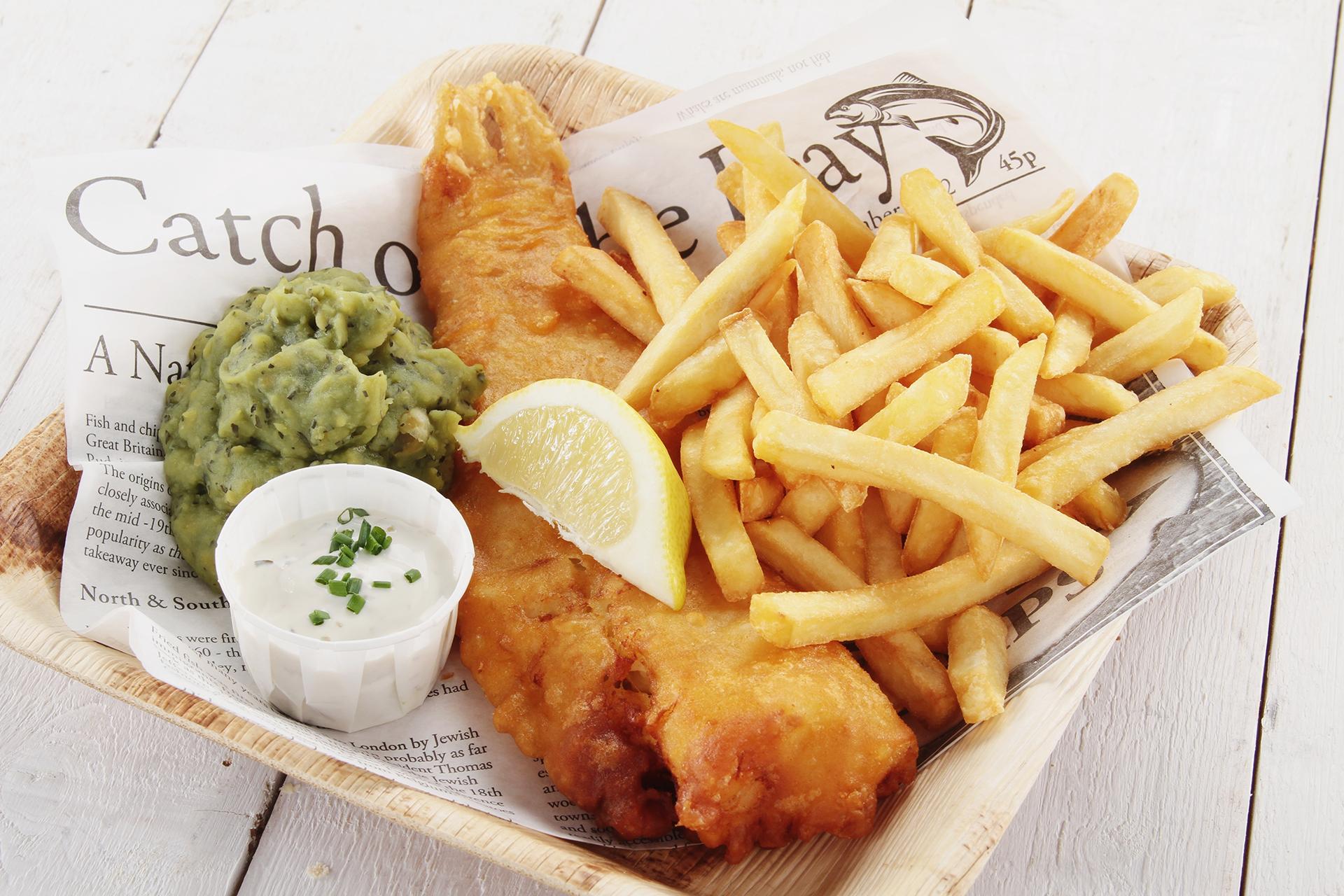 Los fish 'n' chips son uno de los platos favoritos de Gran Bretaña y su origen se remonta a la década de 1860