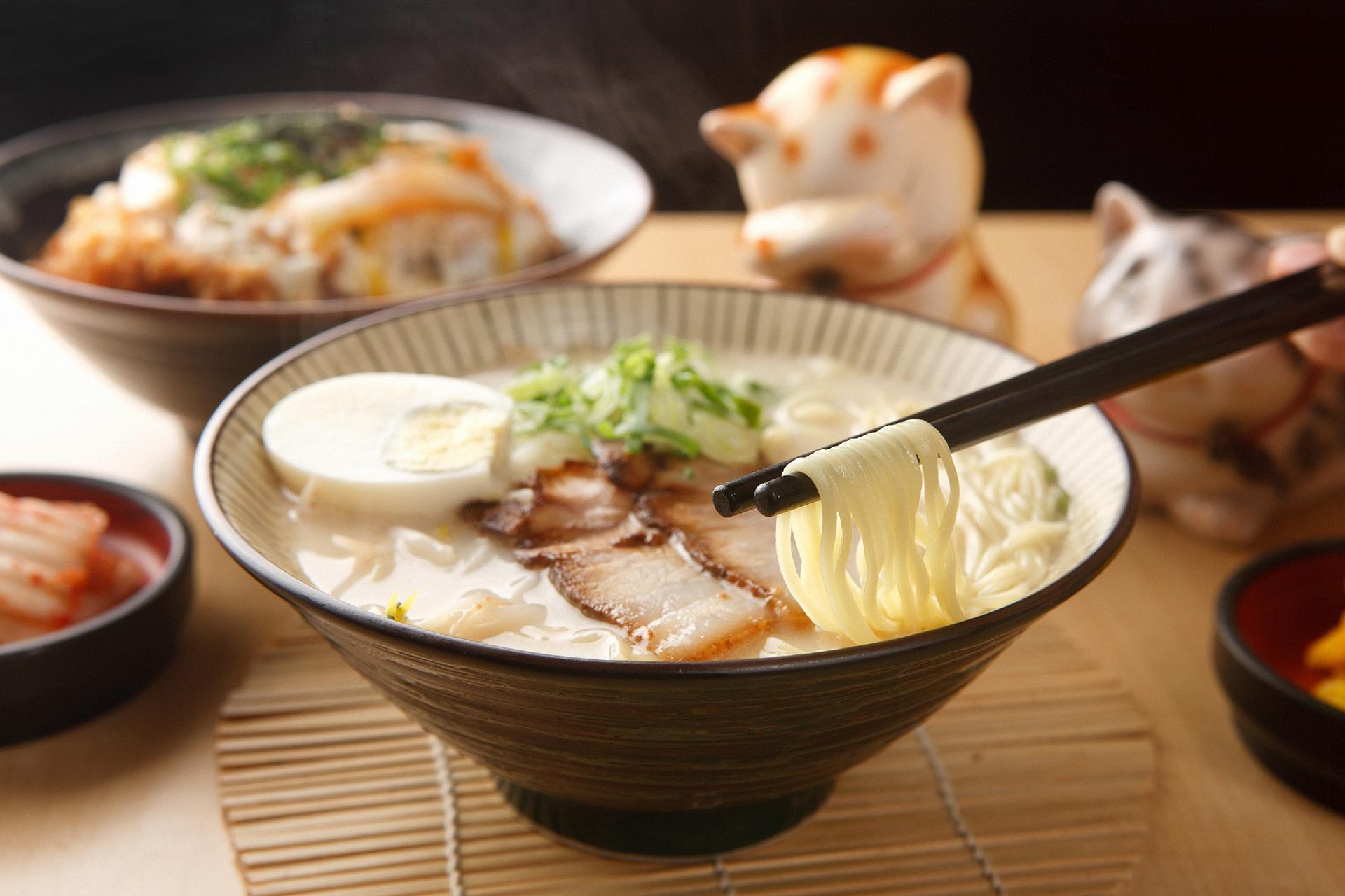 Popular en el mundo, el ramen japonés invade las redes sociales con gigantes cuencos de sopa que abren el apetito en un abrir y cerrar de ojos