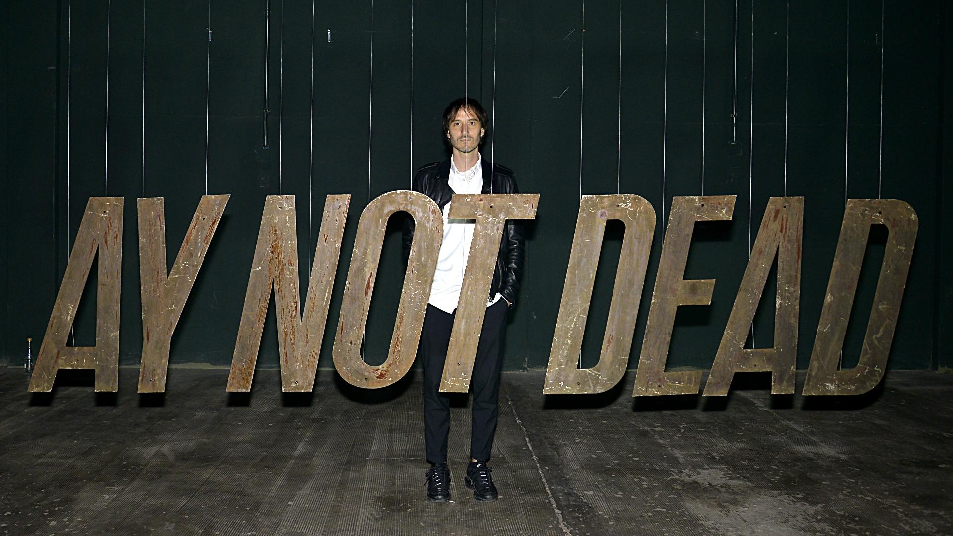 El diseñador de la marca Ay not Dead: Diego Romero