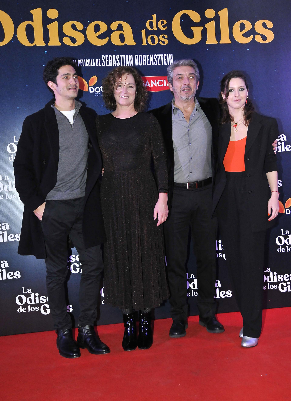 La familia Darín: El Chino, Florencia, Ricardo y Clara (Crédito: Teleshow)