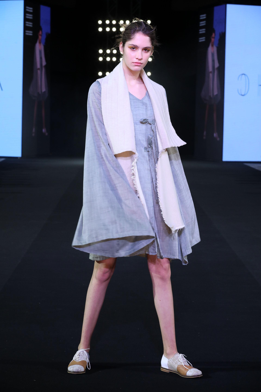 Chiripa Chima fue el proyecto ganador de Semillero Uba de las diseñadoras Laura Moschioni y Denise Alfono que presentaron su colección en el marco de la BAFWEEK. Sus diseños están inspirados en Chiripá (poncho del gaucho colocado como una sobreprenda inferior) Chimá ( falda en Coreano) es la fusión de estas dos culturas