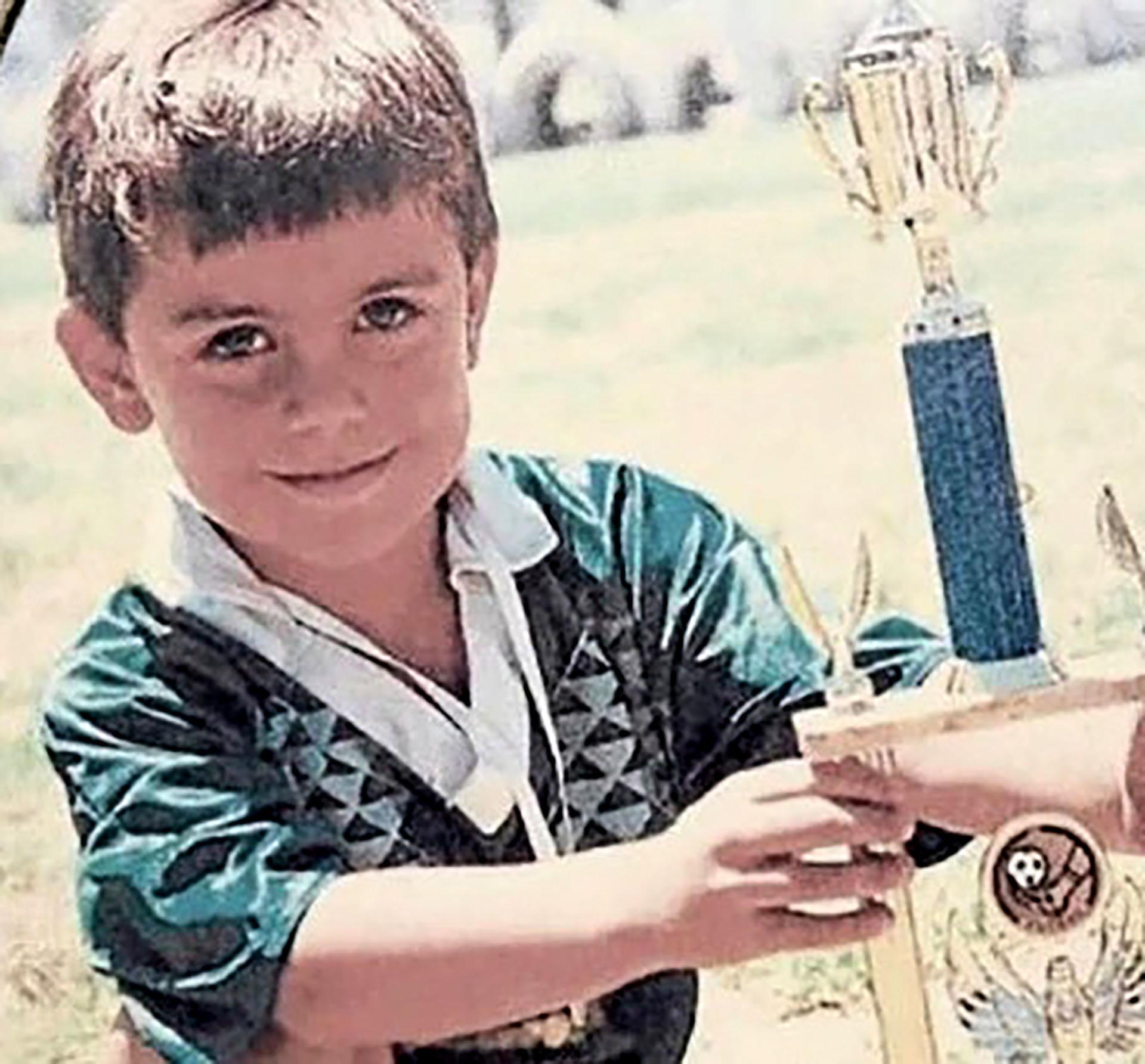 Paulo Dybala, casi irreconocible en Córdoba