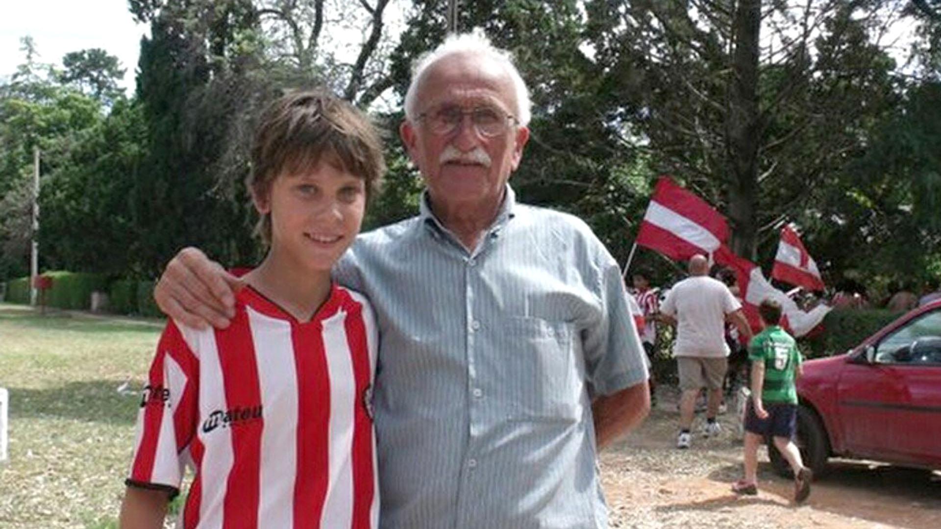 """Juan Foyth luciendo los colores """"pincharratas"""" desde su niñez"""