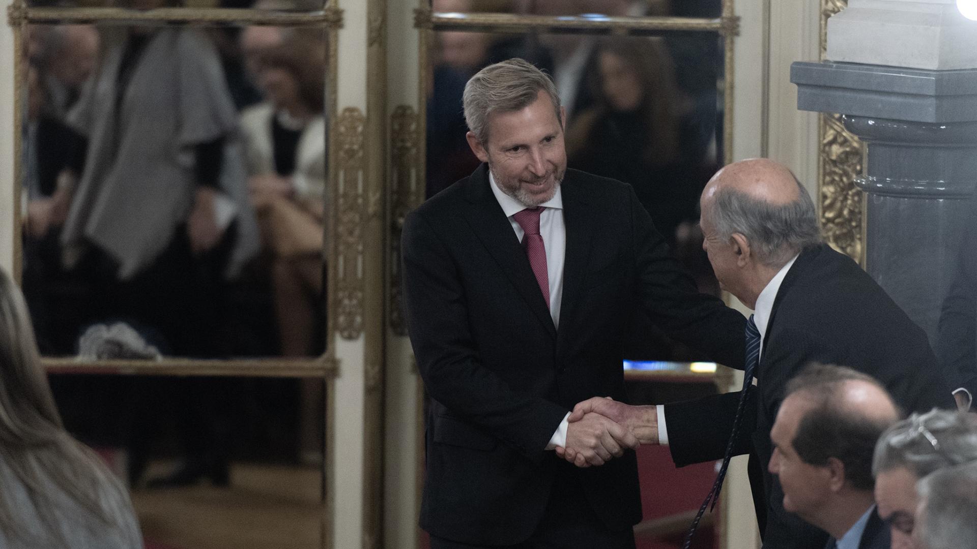 El ministro de Interior antes de la jura de Lacunza