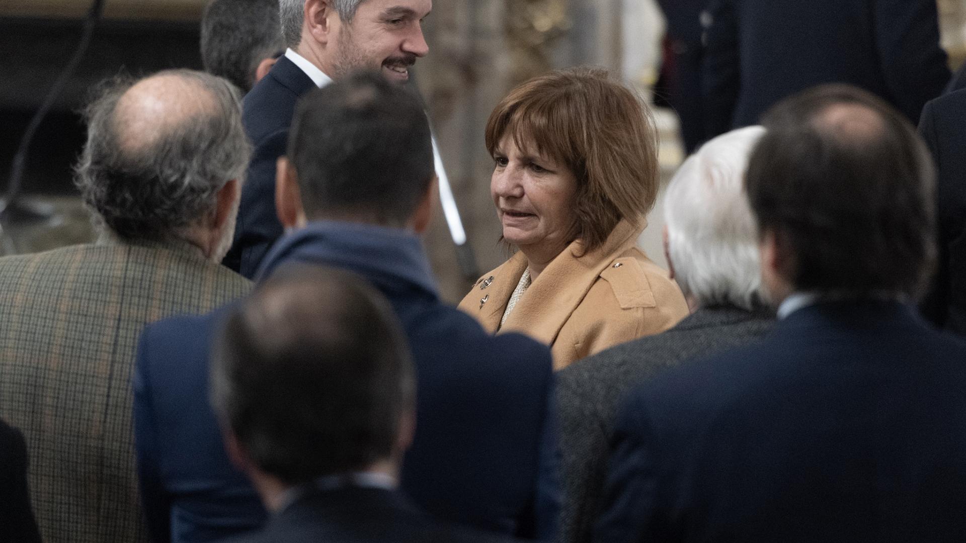 Peña, Bullrich y todos los ministros menos el saliente Dujovne participaron de la ceremonia