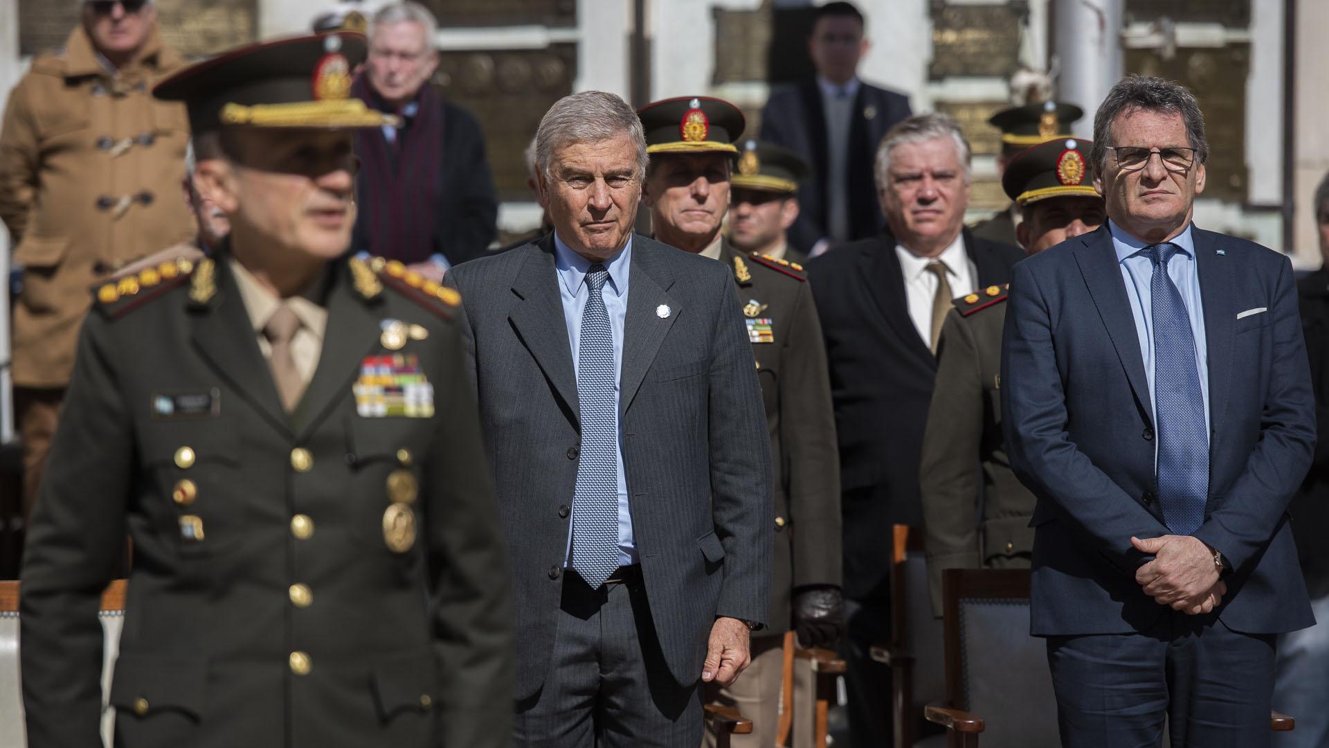 El ministro de Defensa Oscar Aguad y el secretario de Derechos Humanos Claudio Avruj