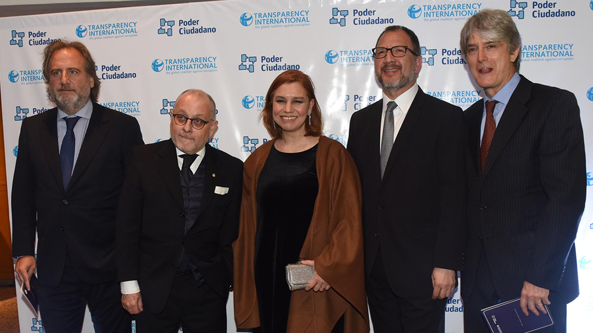 El consultor Roberto Lanusse, el canciller Jorge Faurie, la diputada Karina Banfi, el secretario general de Gobernación Bonaerense Fabián Perechodnik y Wortman Jofre