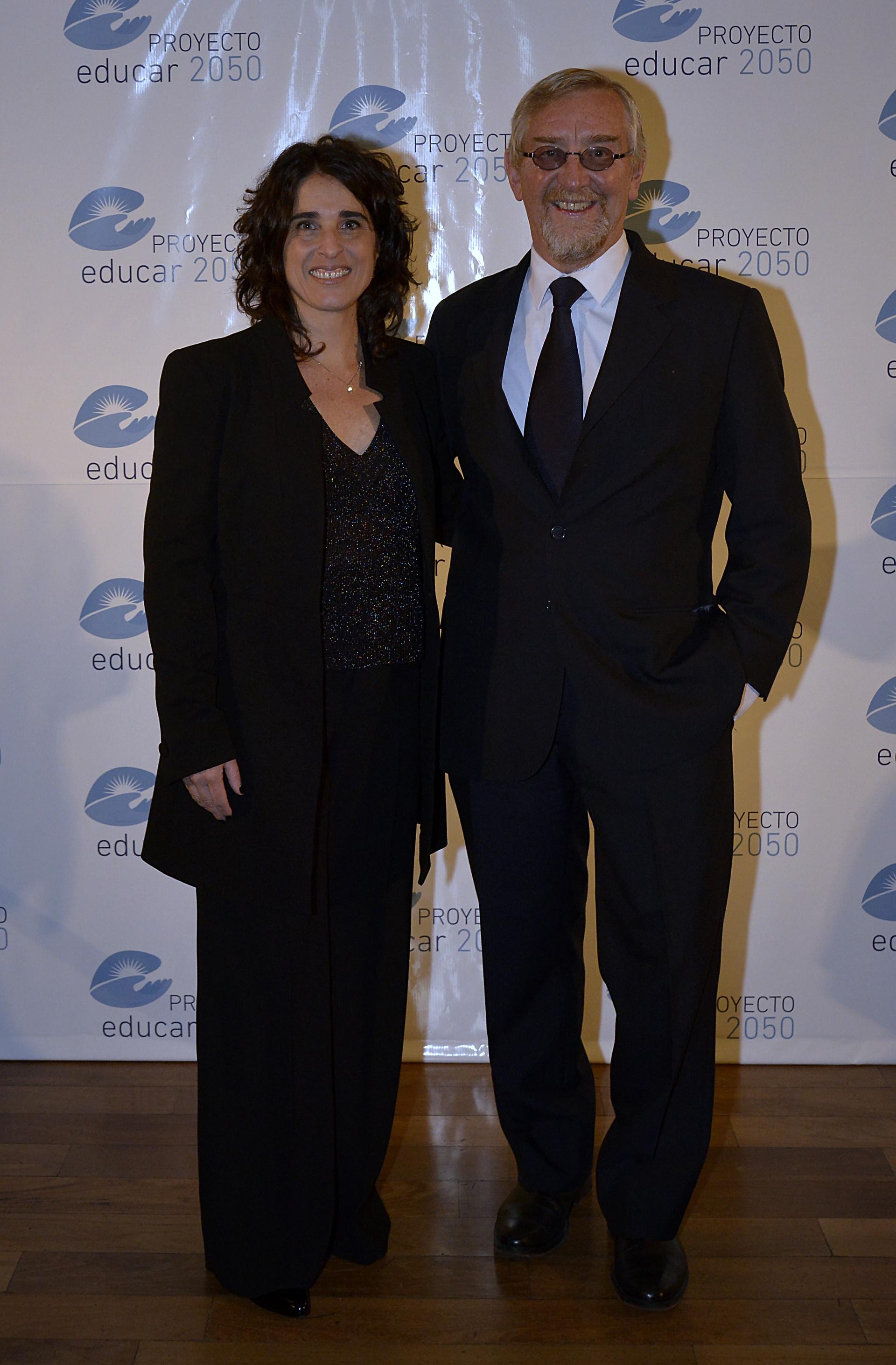 Florencia Ruiz Morosini, directora ejecutiva de Educar 2050 y Manuel Álvarez Trongé, presidente de la organización