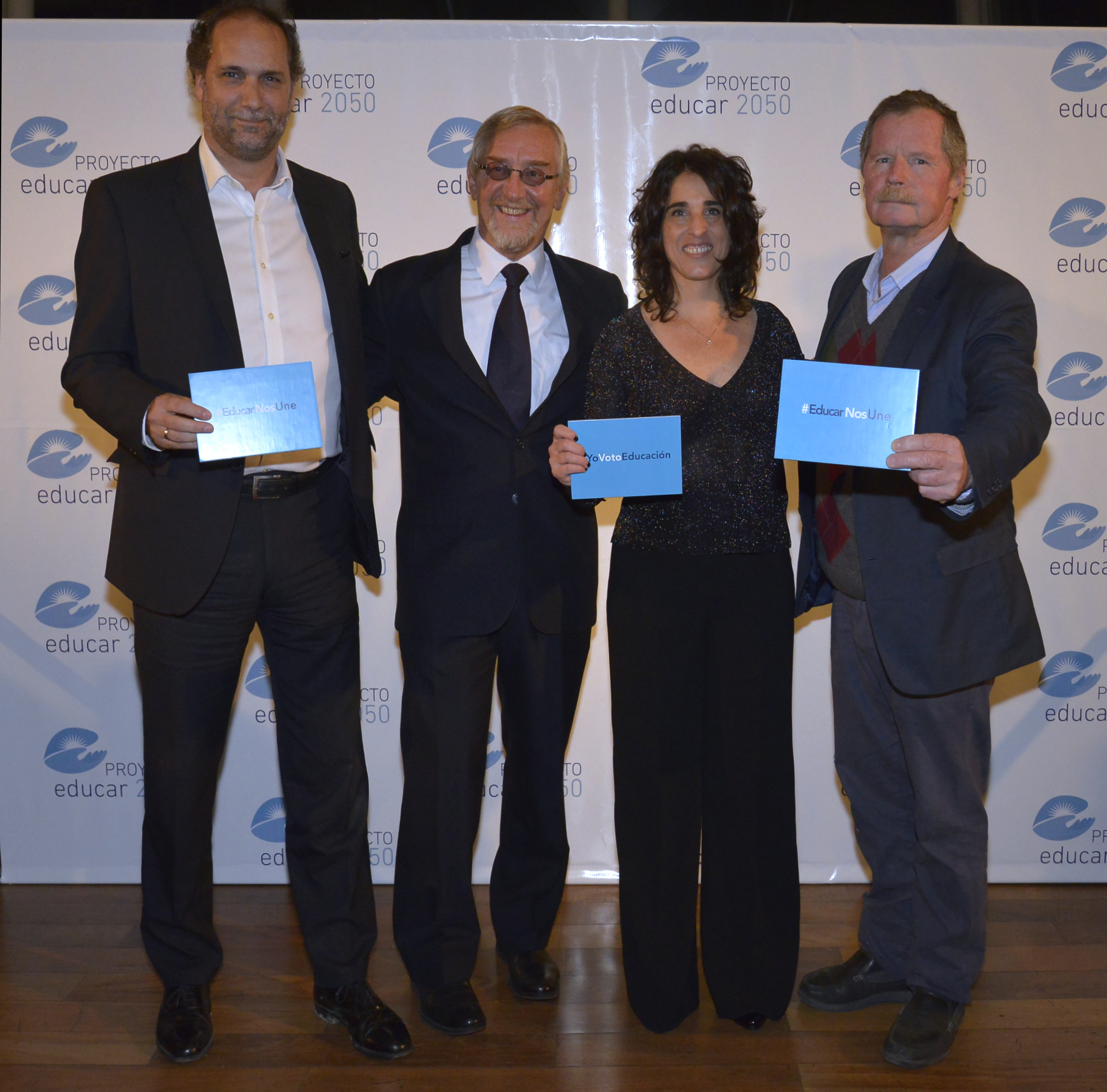 Chani Guyot, director de Redacción, Álvarez Trongé, Ruiz Morosini y Juan Carr, fundador de Red Solidaria