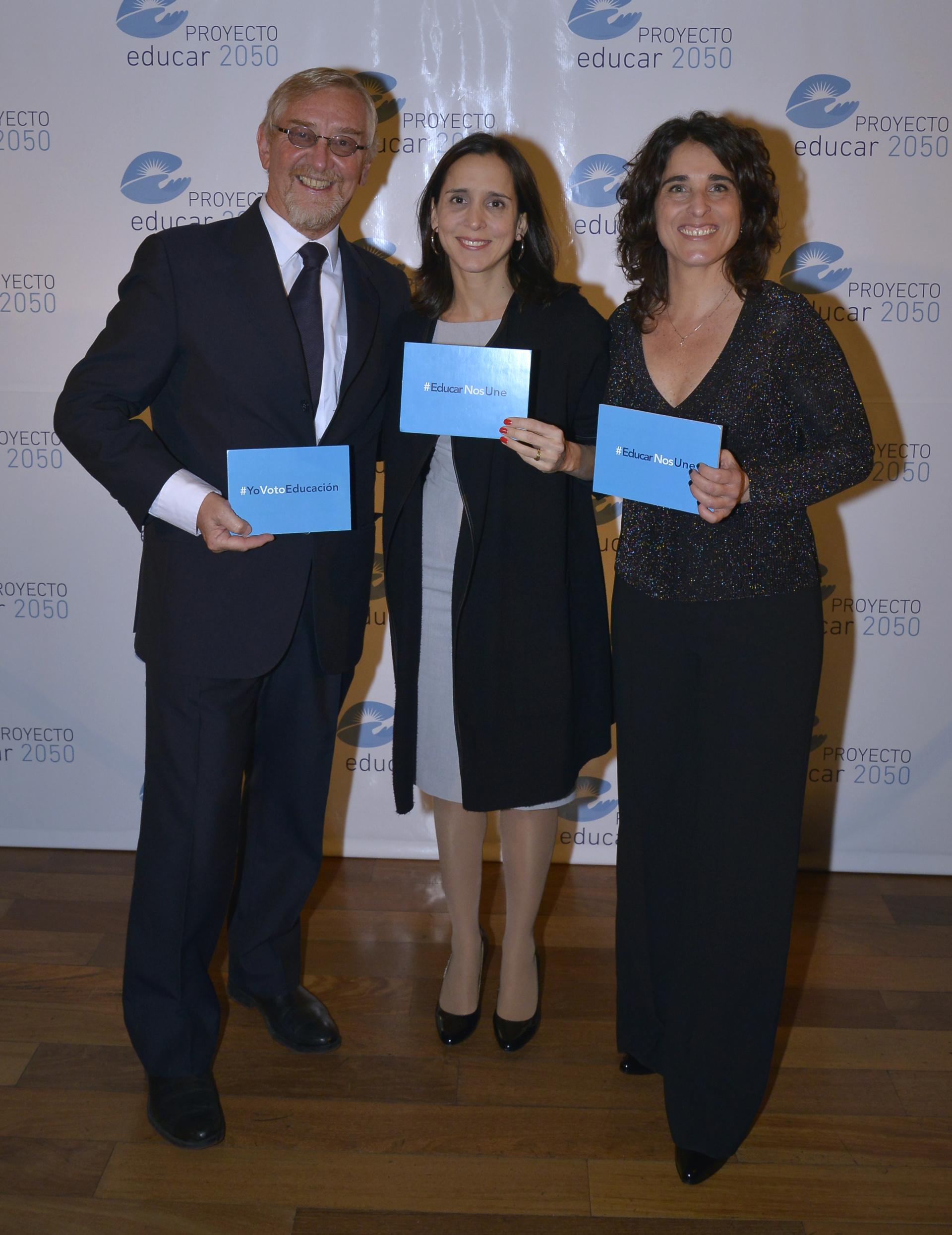 Álvarez Trongé, María Julia Diaz Ardaya, head of public policy Facebook South Cone, y Ruiz Morosini