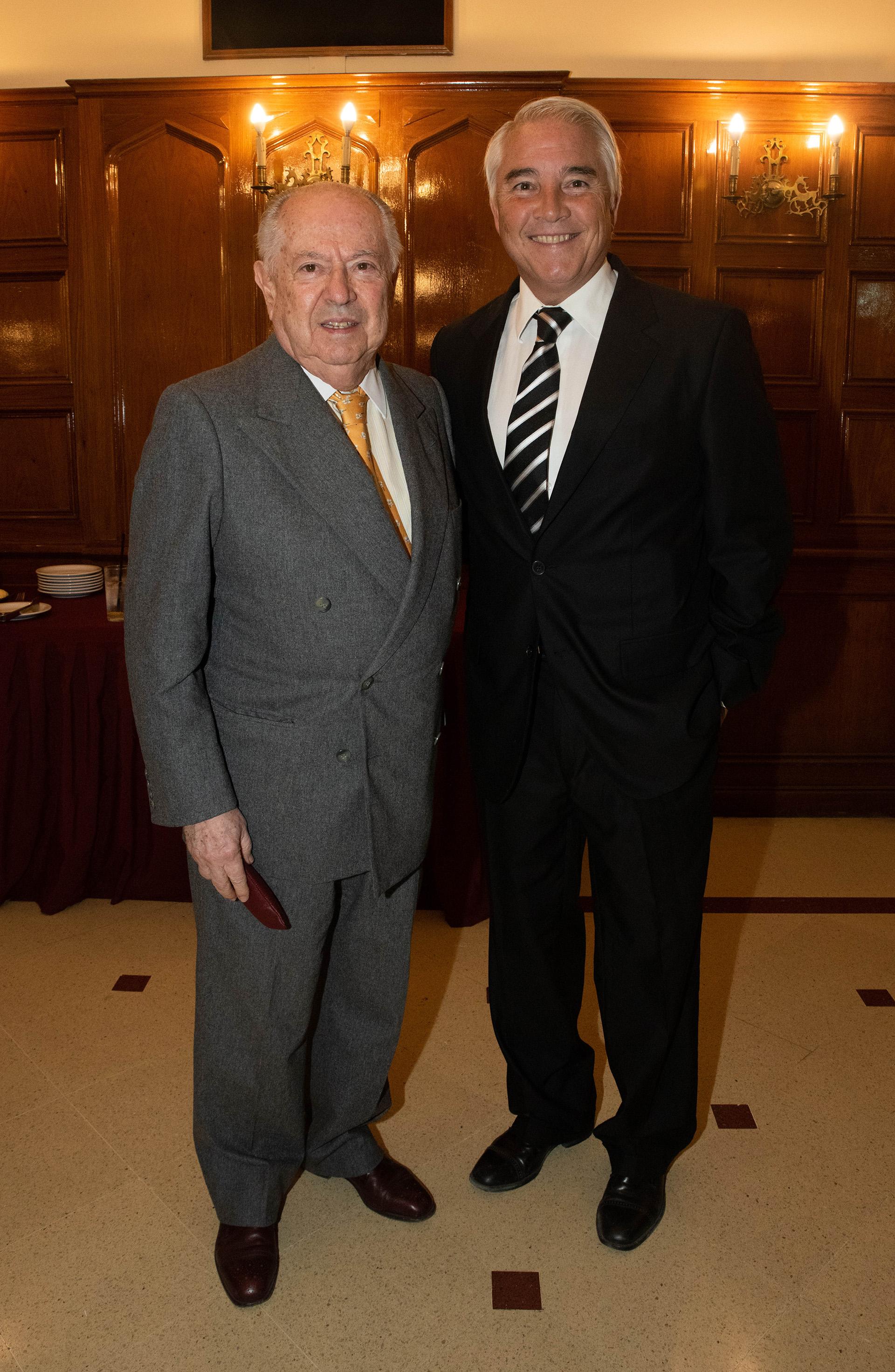 El ex ministro del Interior Carlos Corach y Pablo Deluca