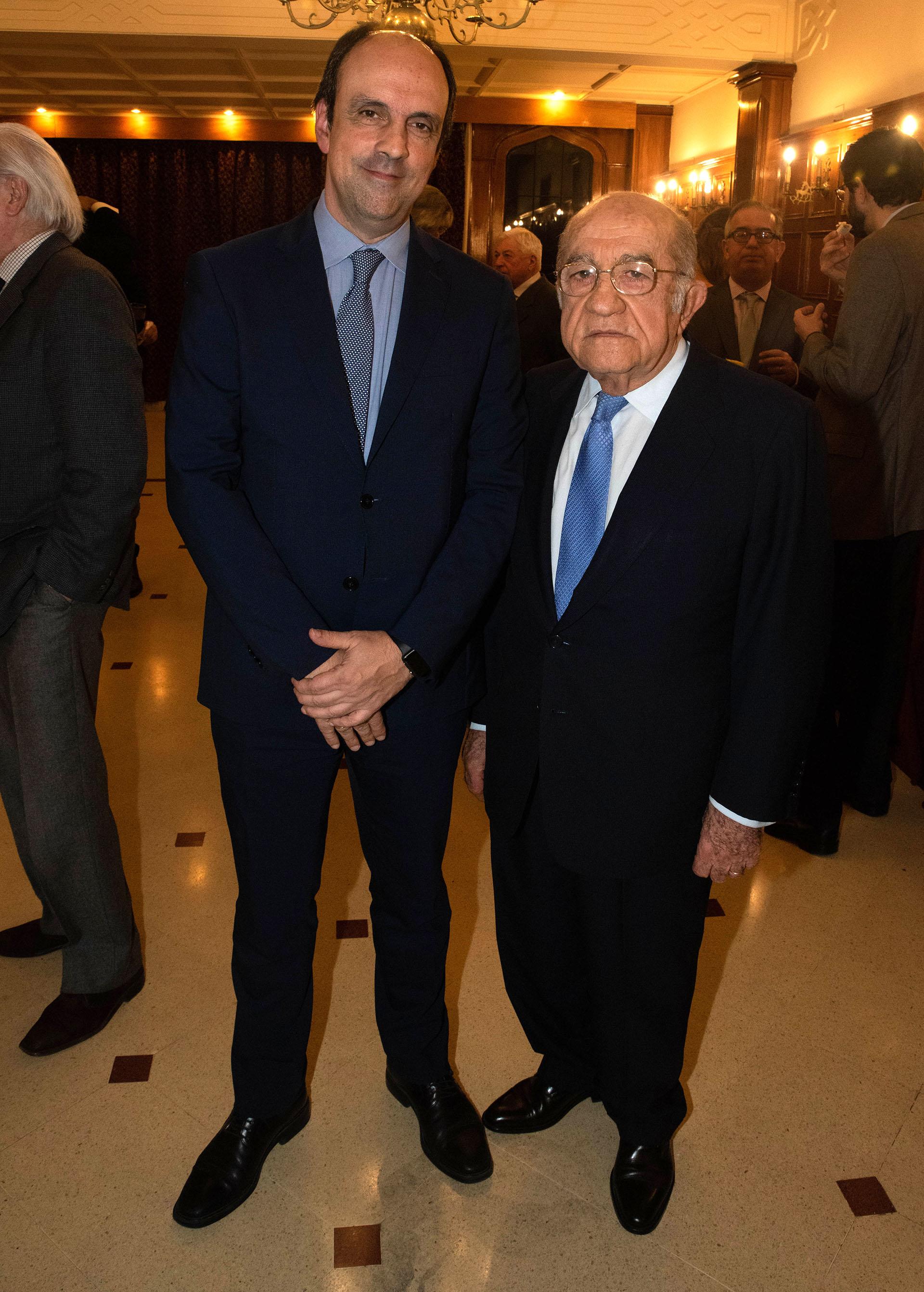 José Corral, intendente de la ciudad de Santa Fe, y José Romero Feris
