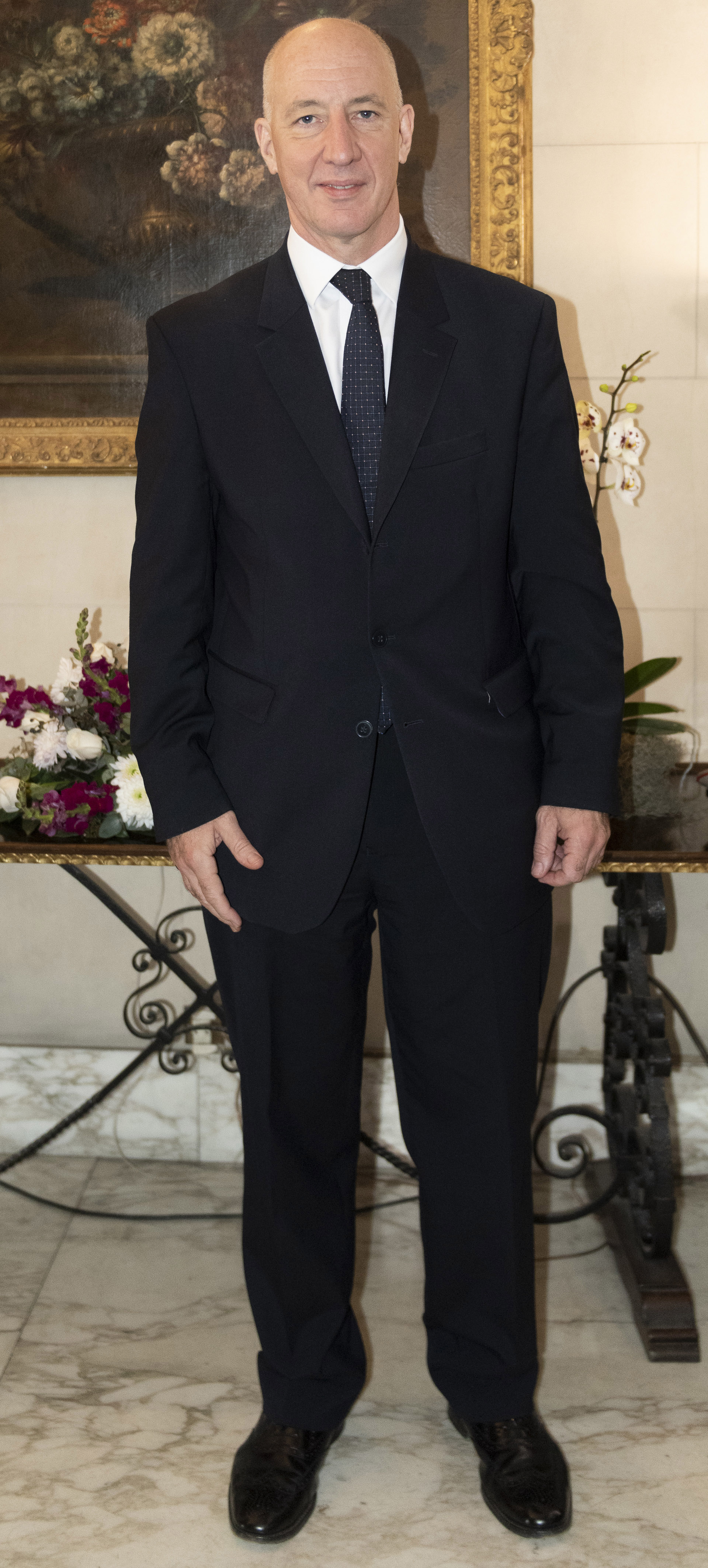 El embajador de Gran Bretaña, Mark Kent
