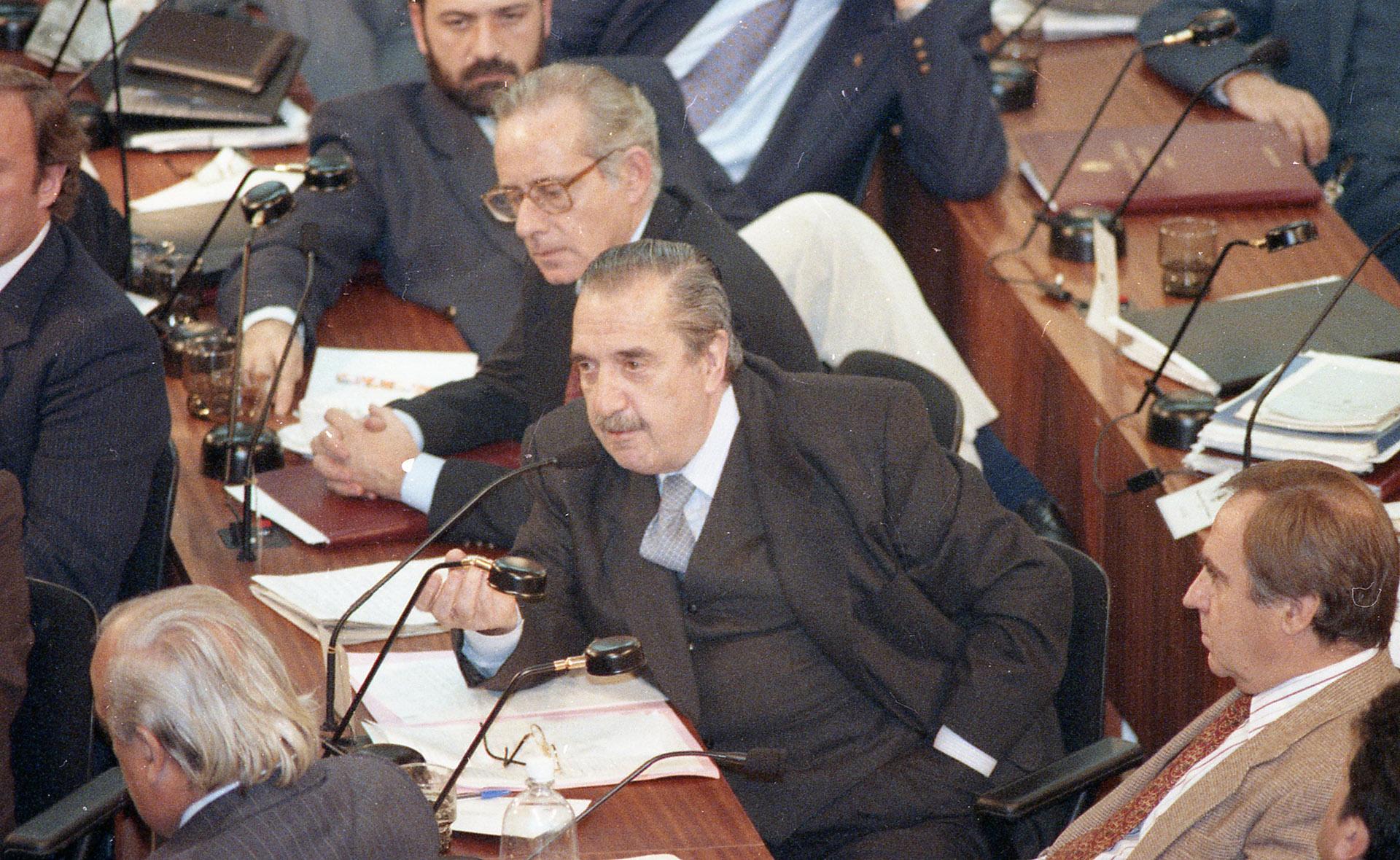 Asamblea constituyente, discurso de los jefes de bloque. Expone Raúl Alfonsín