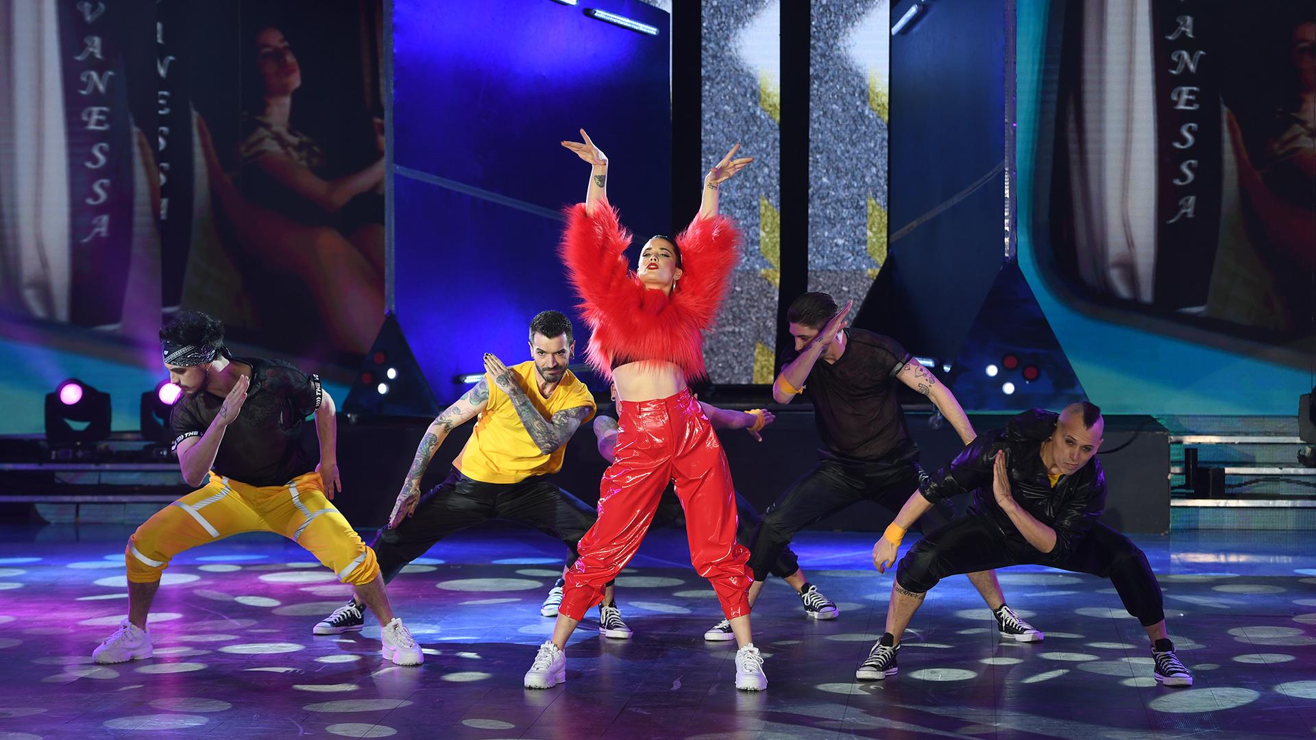 """Florencia Torrente en medio de su coreografía basada en el videoclip de """"Malamente"""", de Rosalía. Y como suele ser habitual en ella… ¡descollo! (Foto: Prensa LaFlia / Negro Luengo)"""